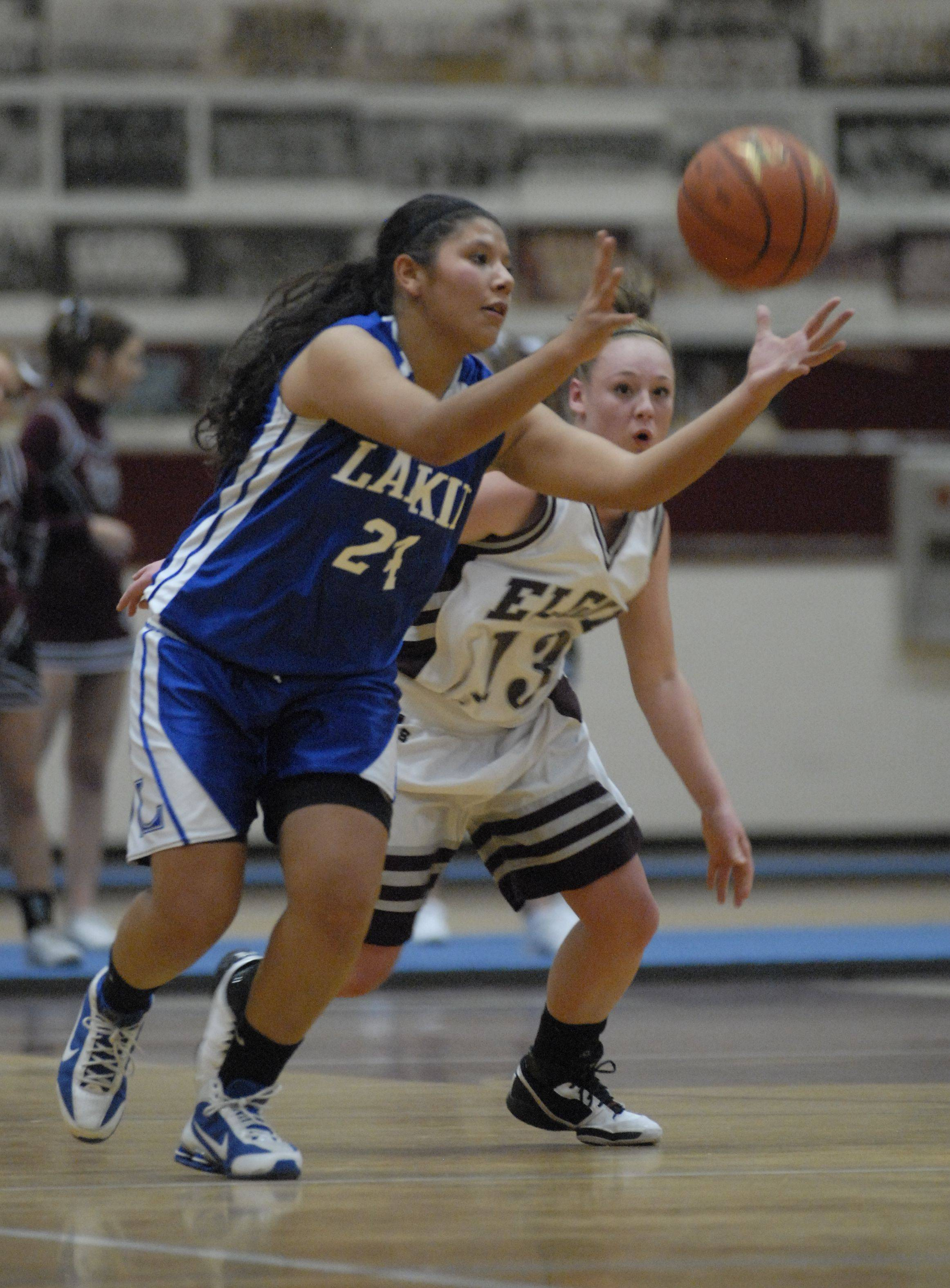 Images from the Elgin vs. Larkin girls basketball game Thursday, December 9, 2010.