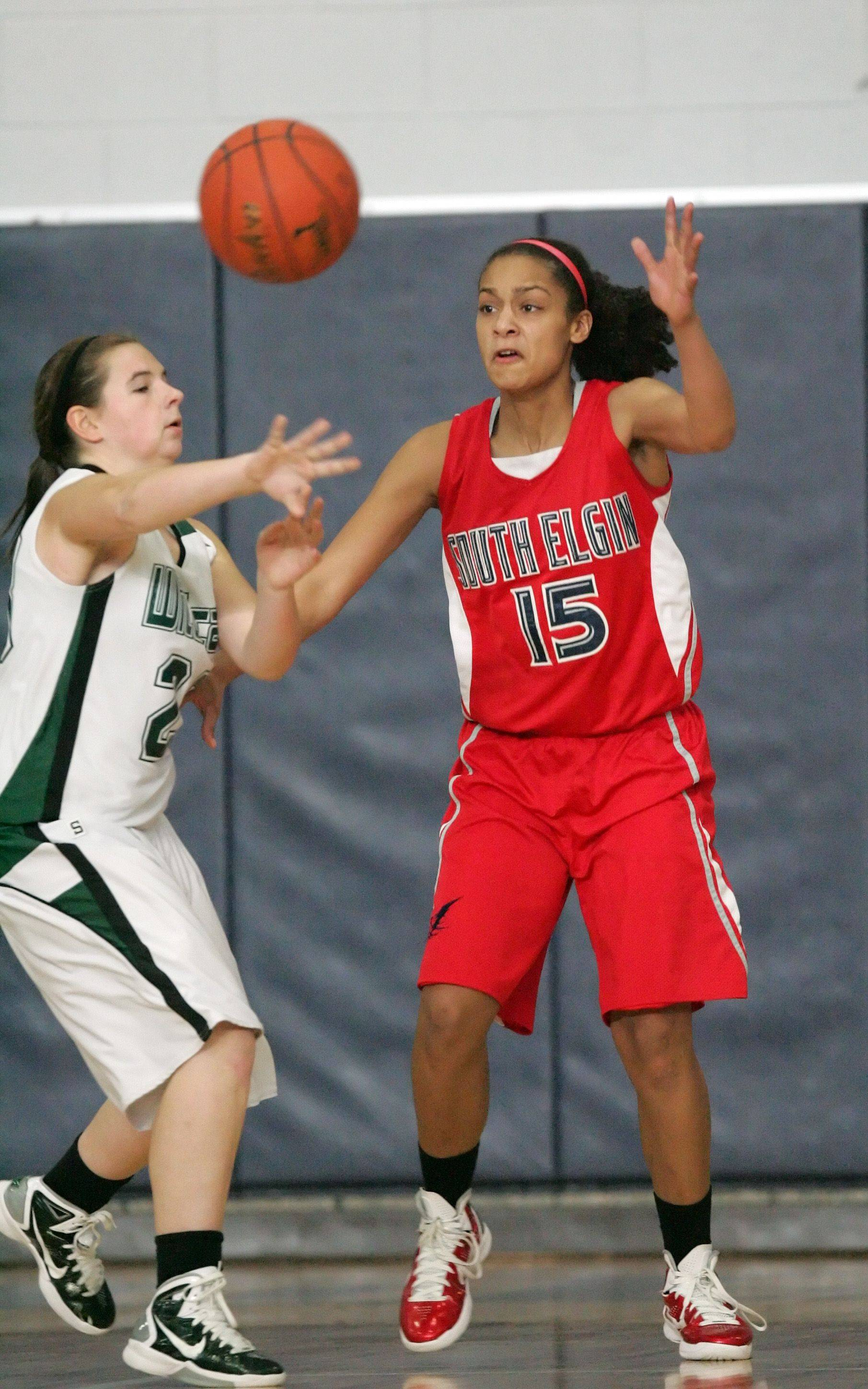 Images from the South Elgin vs. Plainfield Central girls basketball game Tuesday, December 28, 2010.