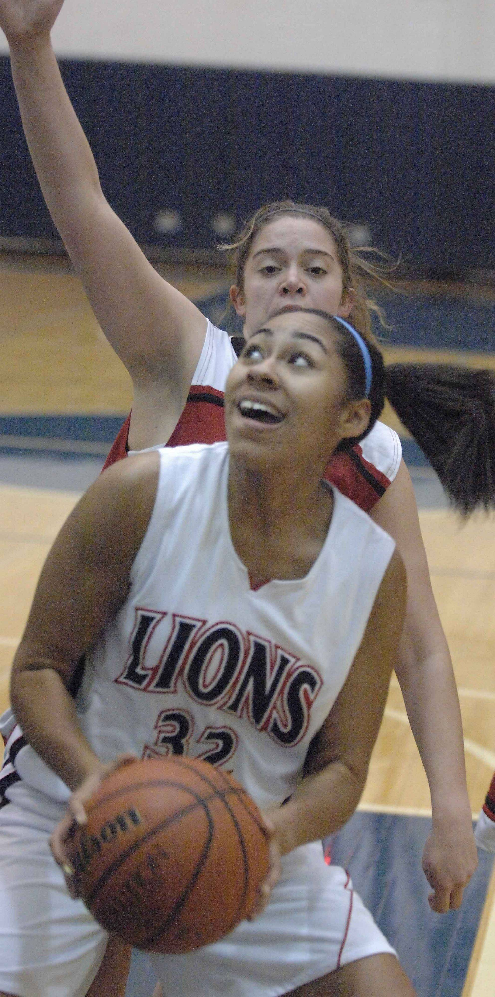 Darian Payne of Lisle looks to the net during theTimothy Christian at Lisle girls game Wednesday.