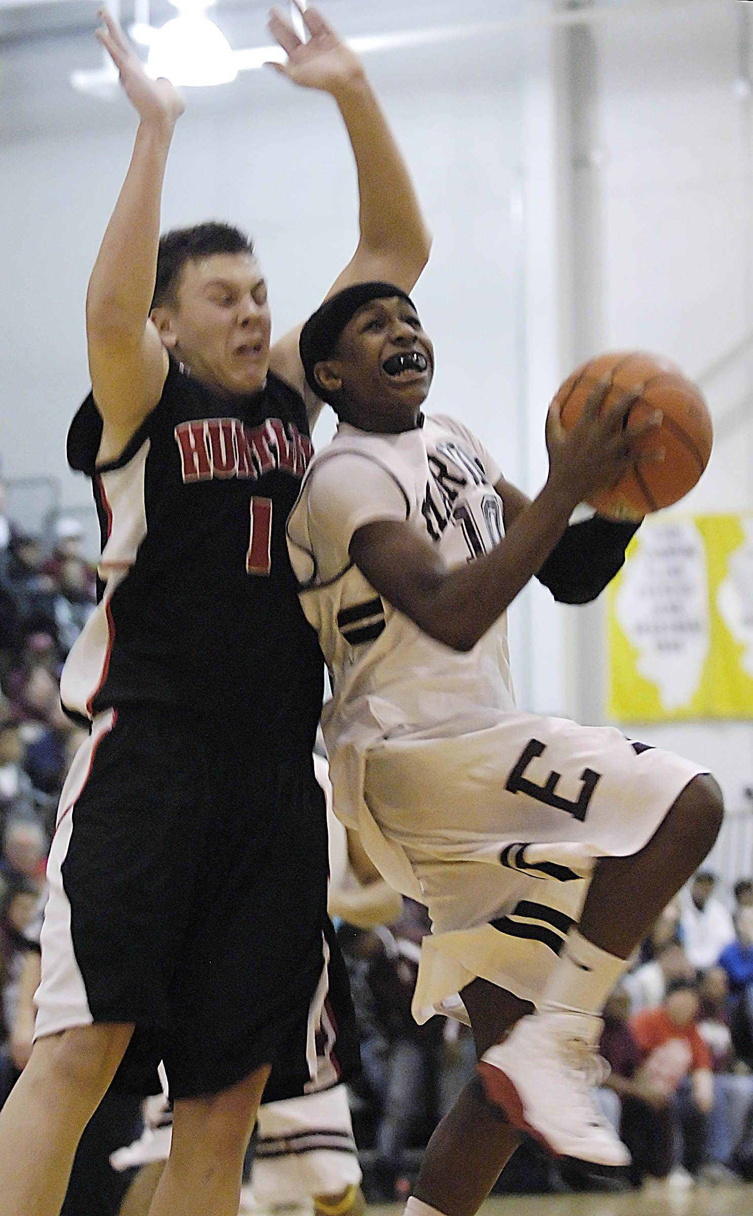 Images from the Elgin vs. Huntley boys basketball sectional semis Tuesday, March 8, 2011.