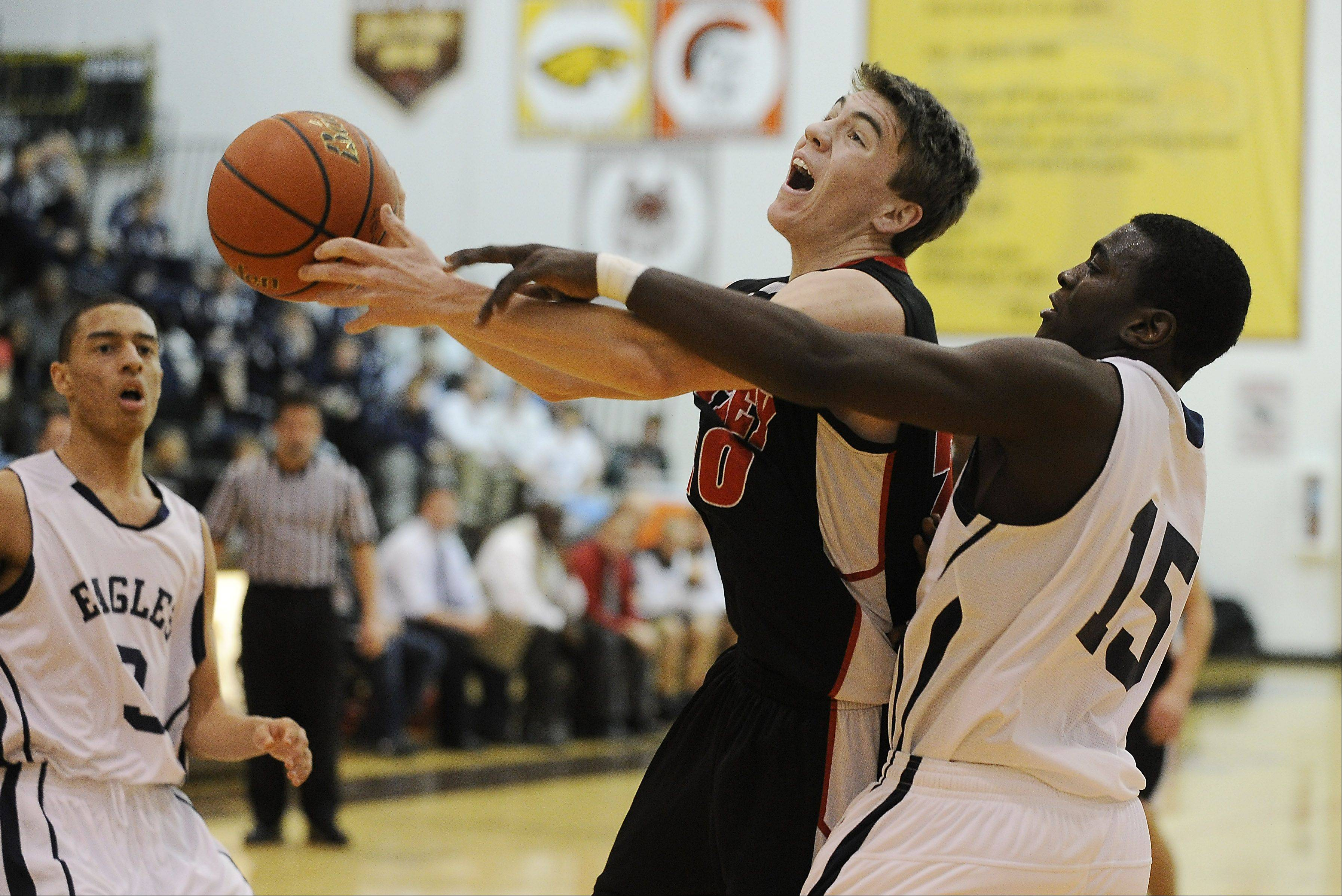 Huntley gets another title shot at Jacobs