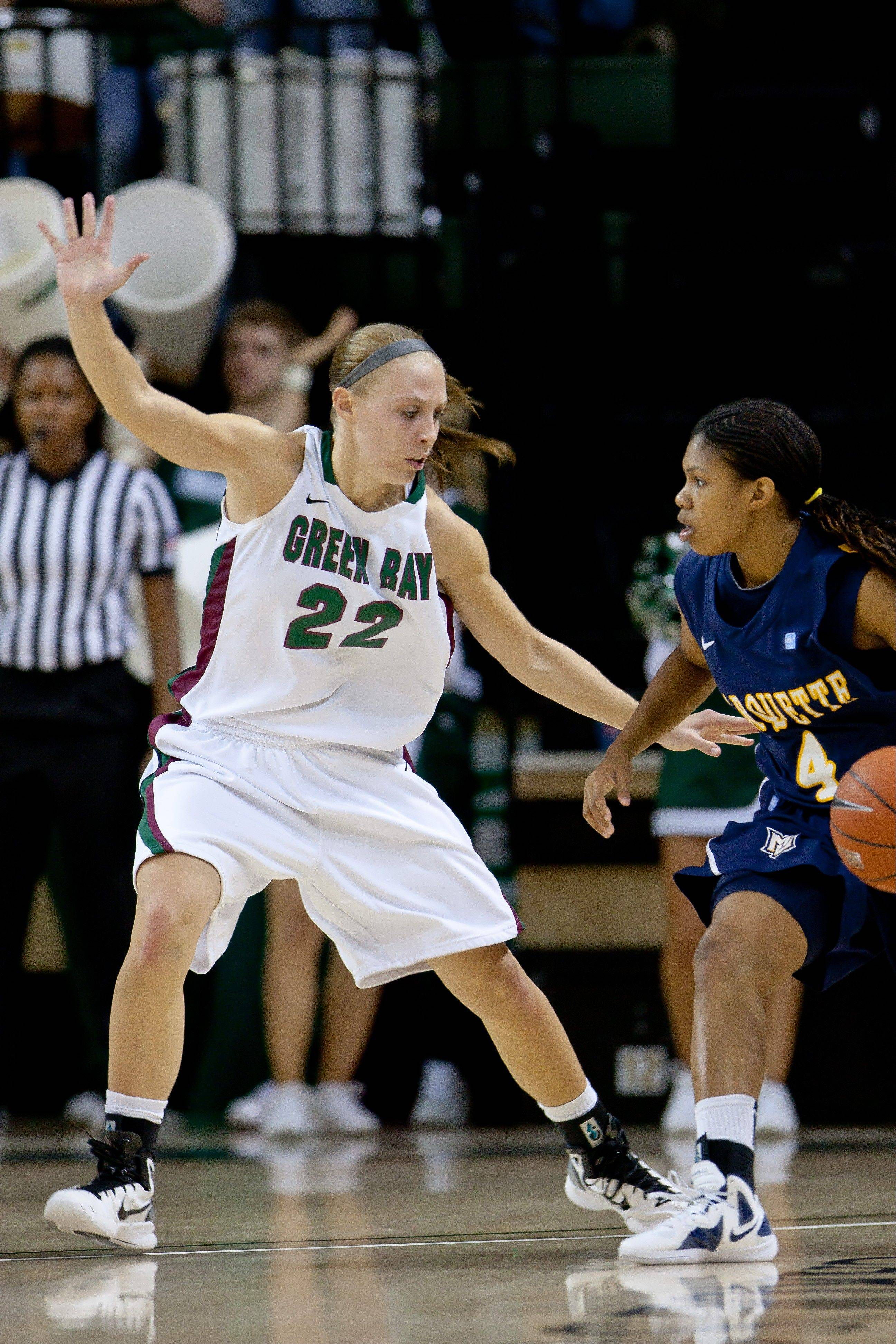 Lydia Bauer competes for Wisconsin-Green Bay against Marquette in December.