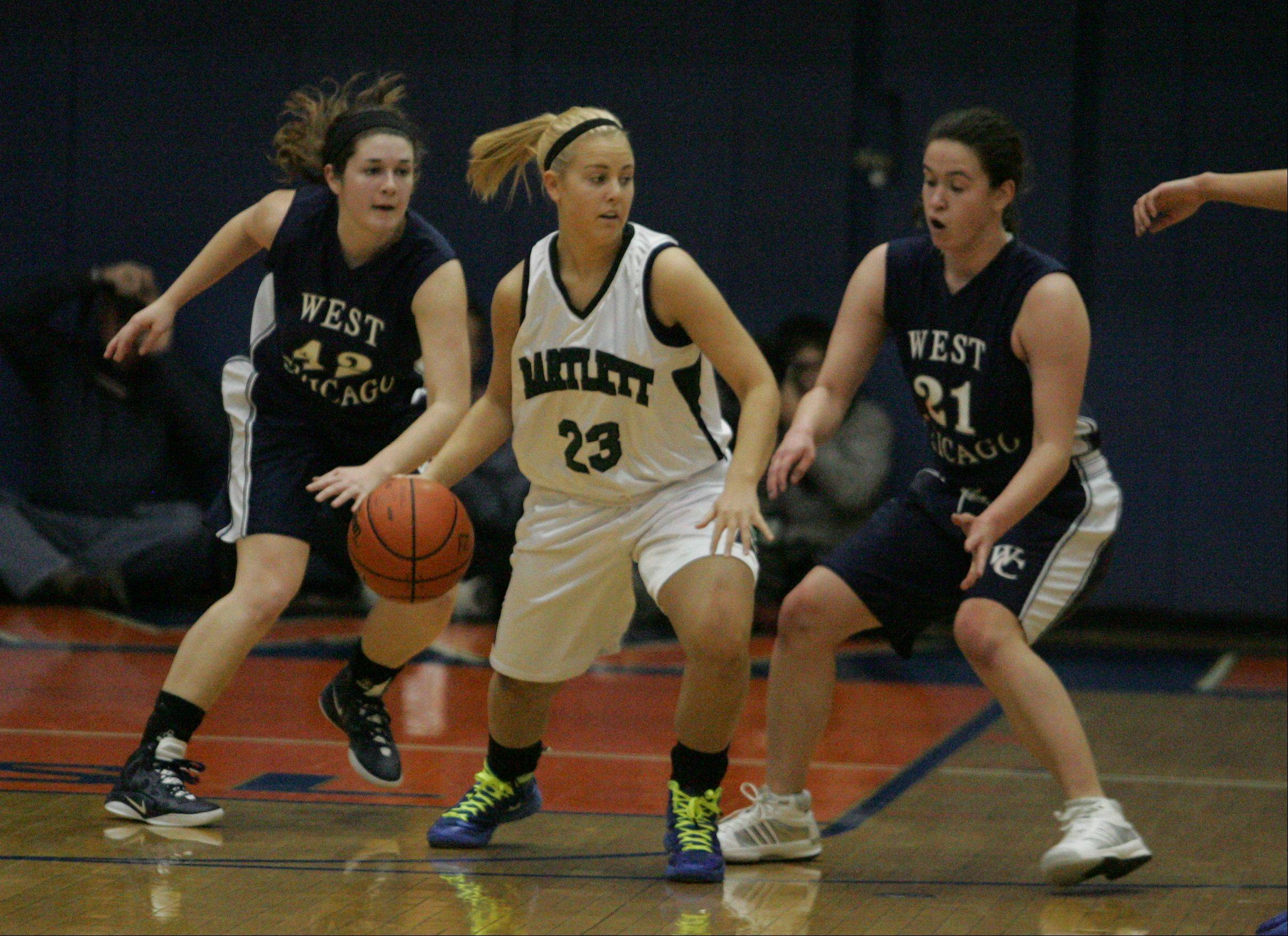 Bartlett vs. West Chicago Monday night in Class 4A girls basketball sectlional semifinals in Hoffman Estates.