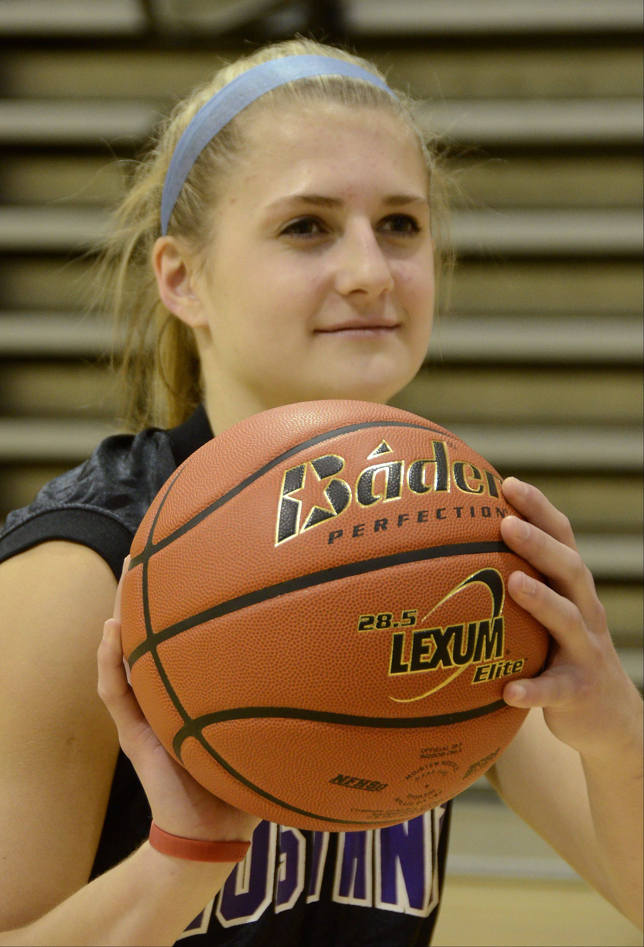 The Mustangs' Alexis Glasgow.