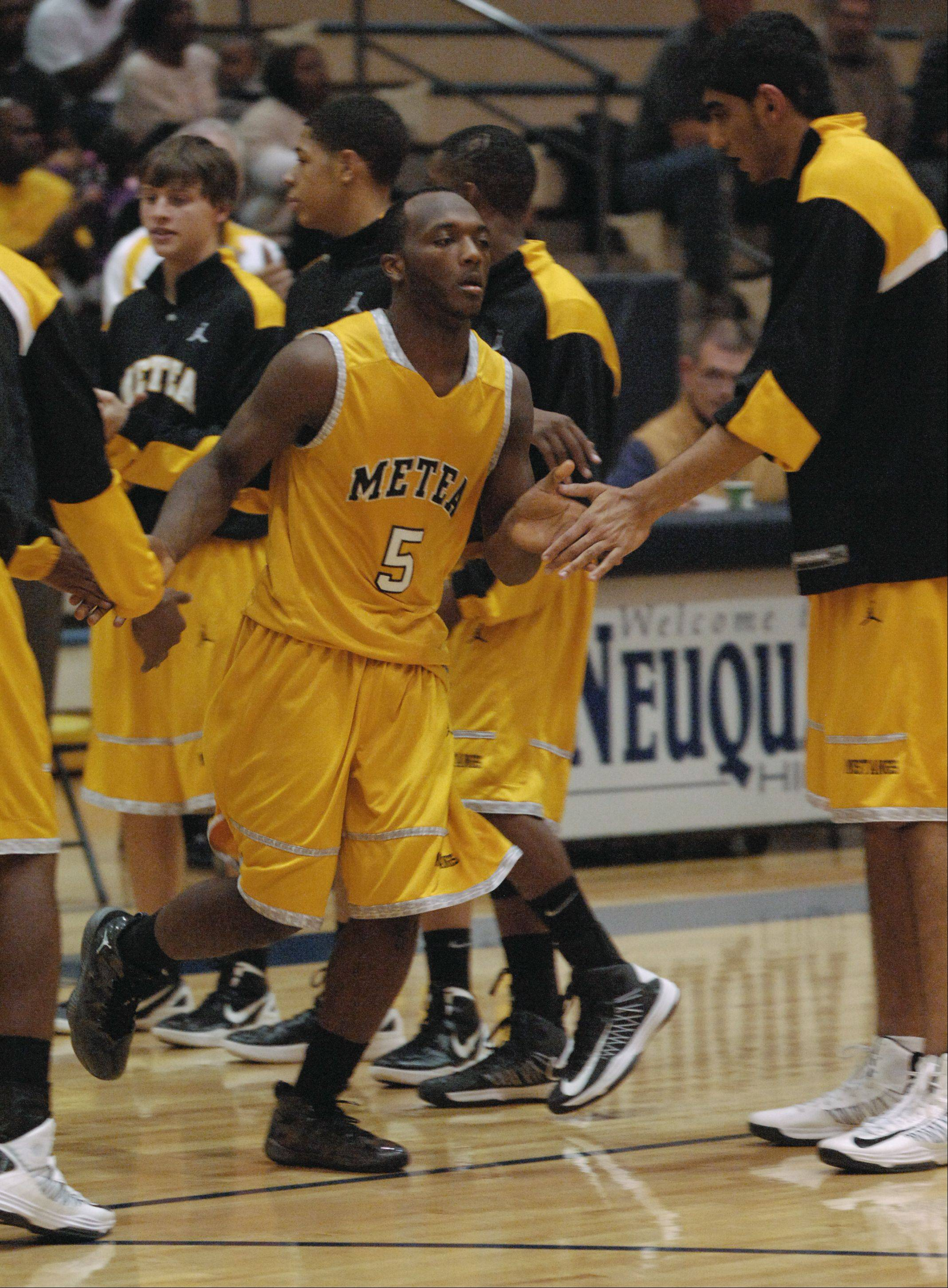 Metea Valley travelled to Neuqua Valley Thursday night for boys basketball.