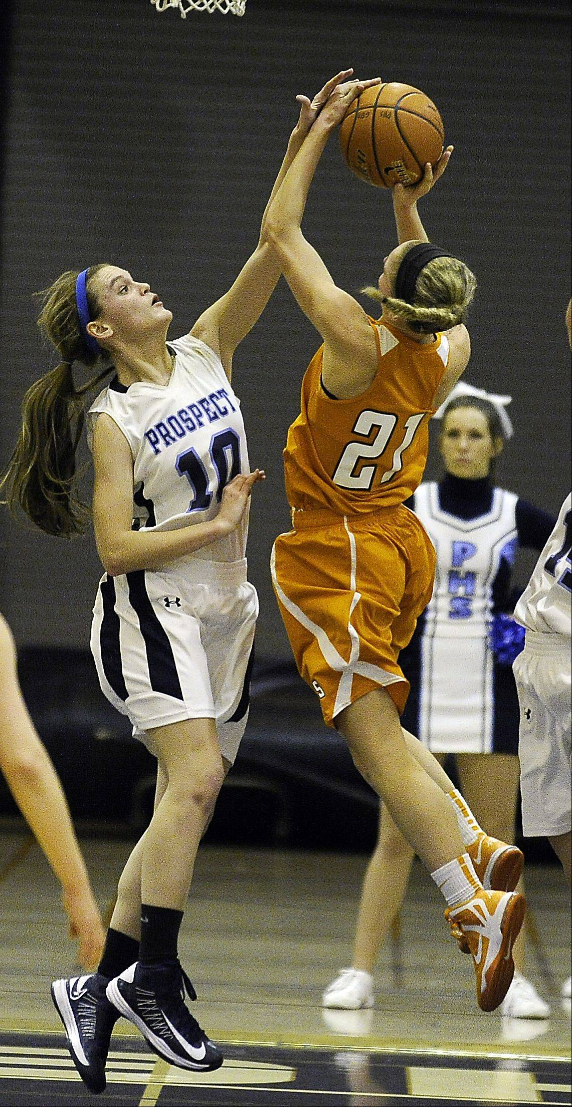 Prospect's Taylor Will blocks Hersey's Meg Cerniglia in the first half.