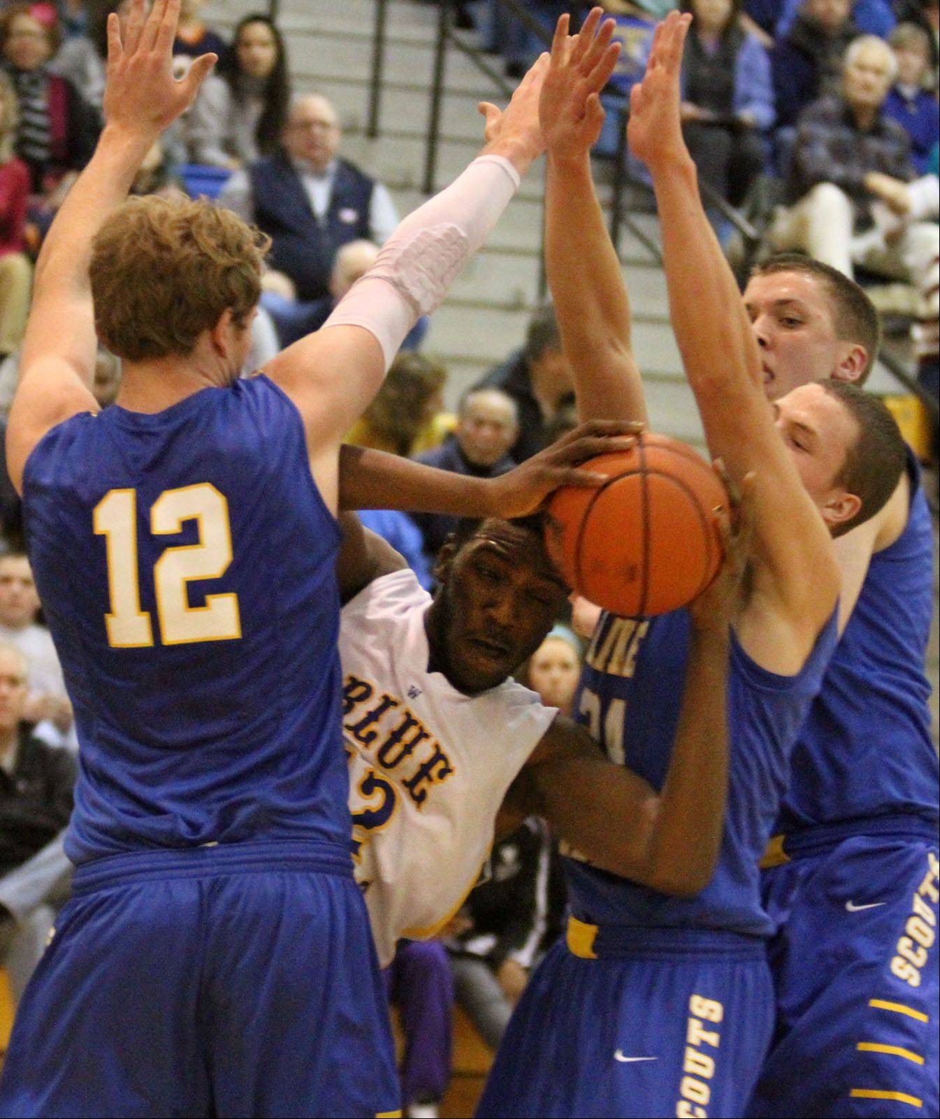 Images: Lake Forest vs. Warren, boys basketball