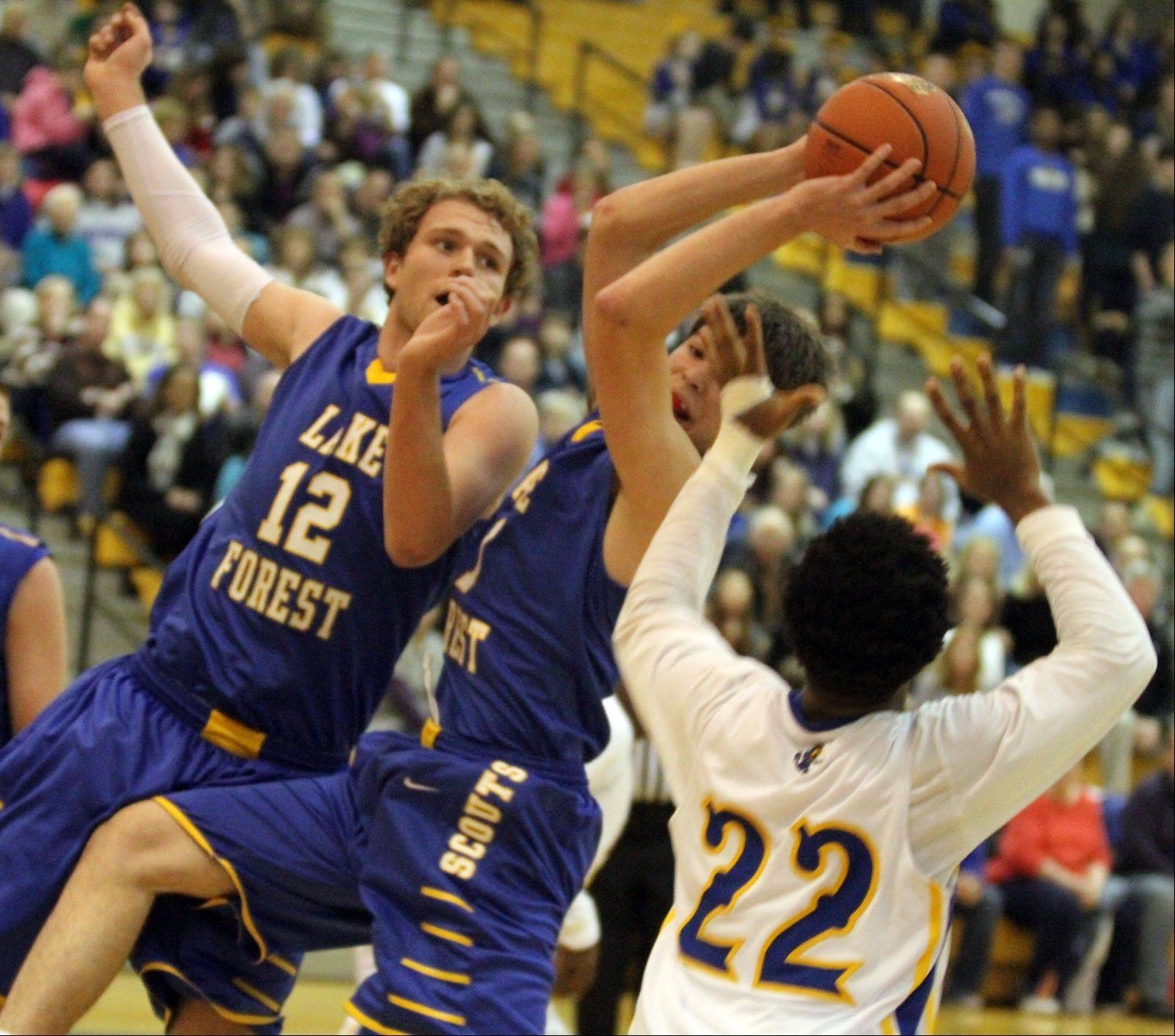 Images from the Lake Forest at Warren boys basketball game Friday, Dec. 14 in Gurnee.