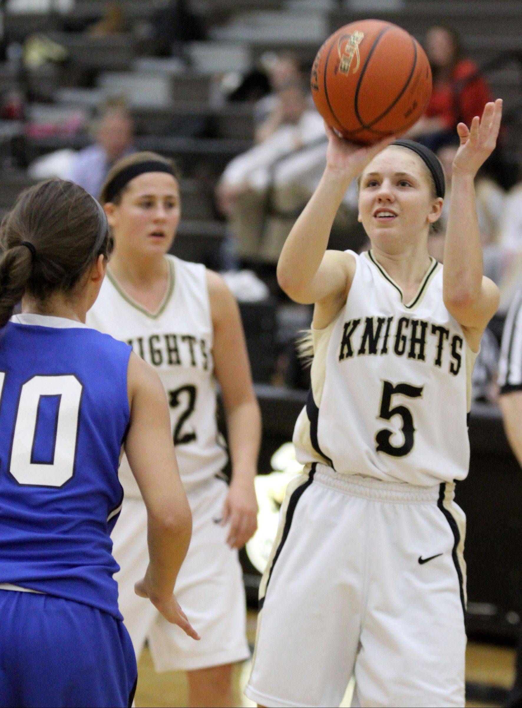 Grayslake North's Kendall Detweiler shoots against Woodstock in Grayslake on Friday.