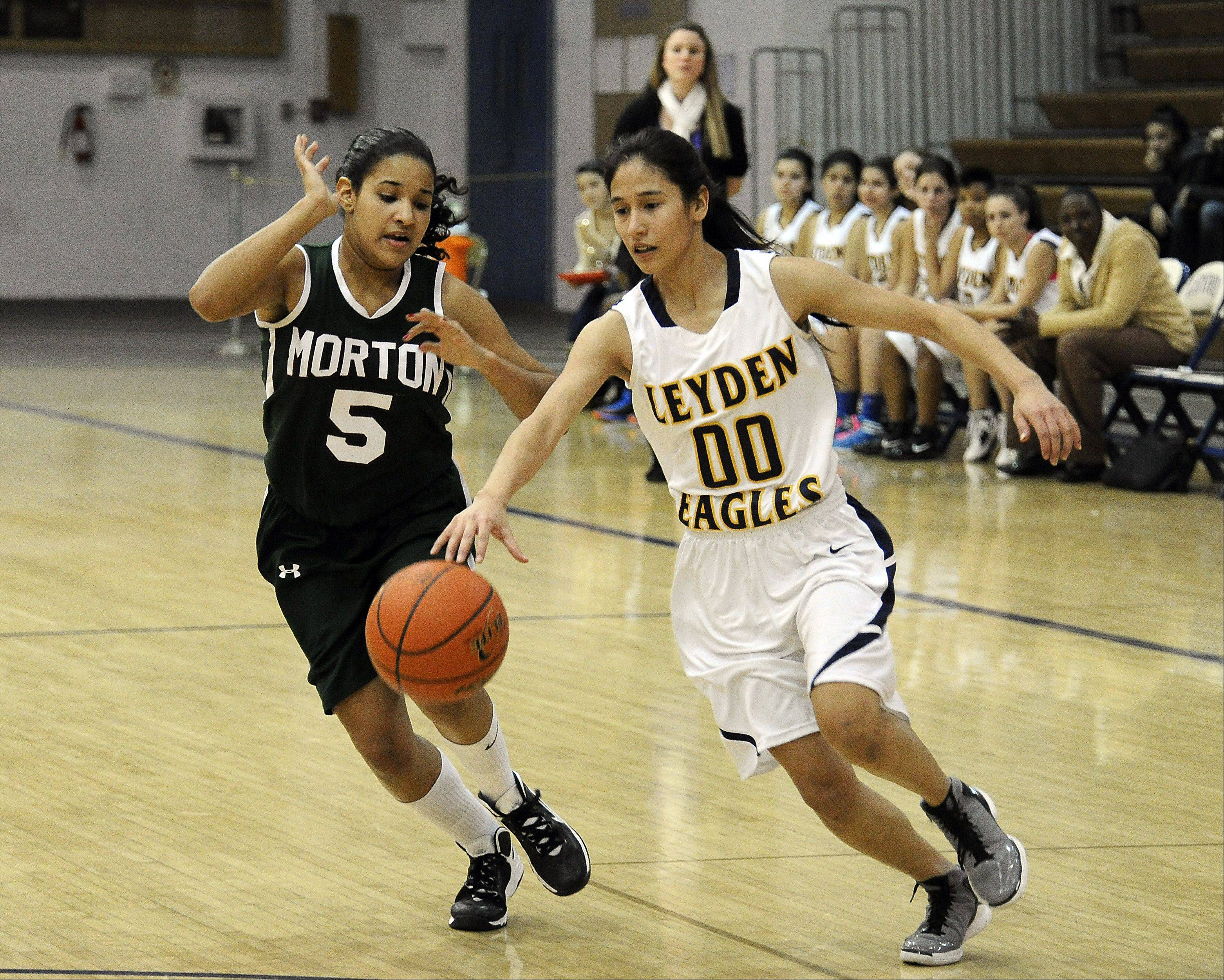 Leyden's Alondra Chavarria moves the ball.