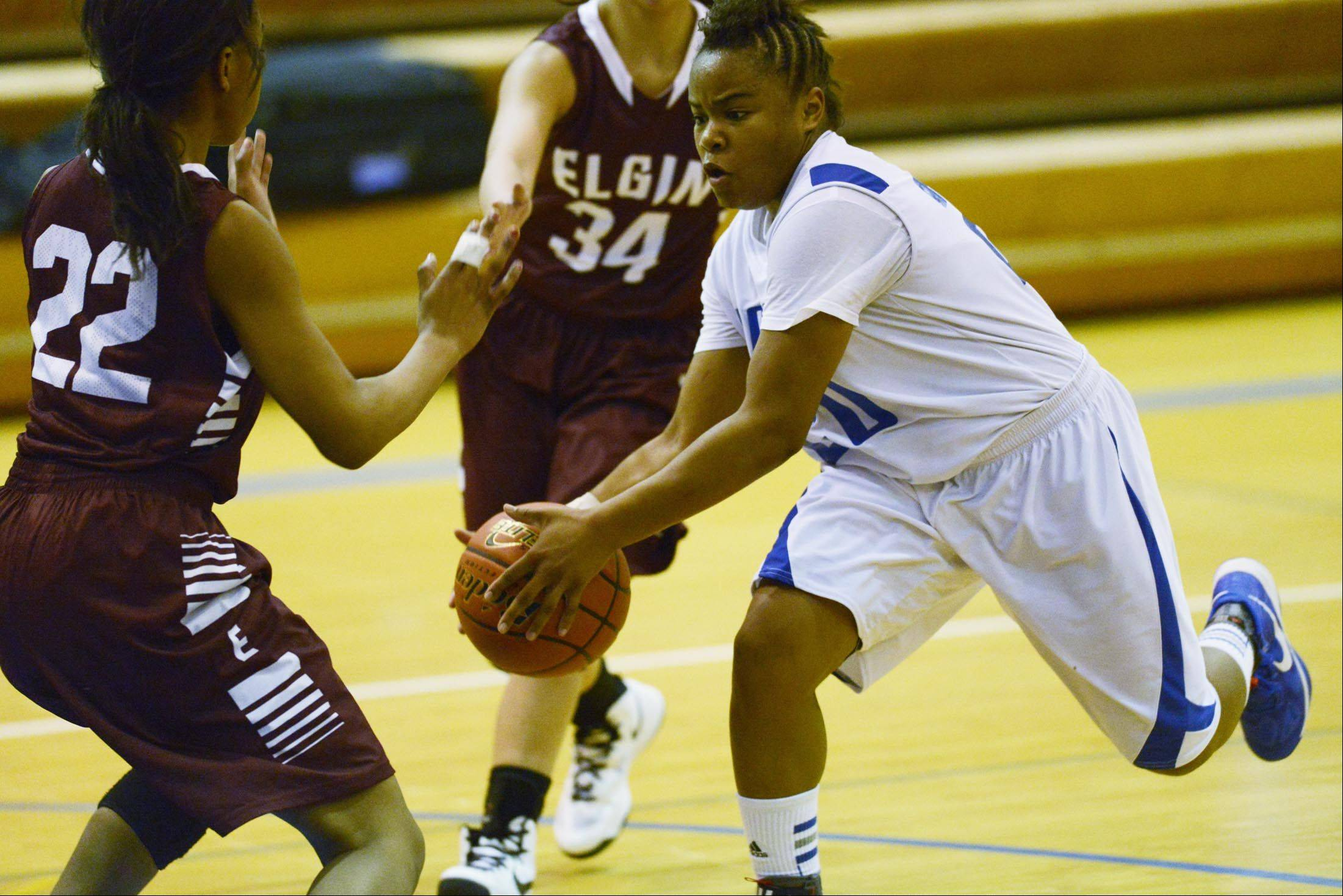 Images: Elgin vs. Larkin, girls basketball