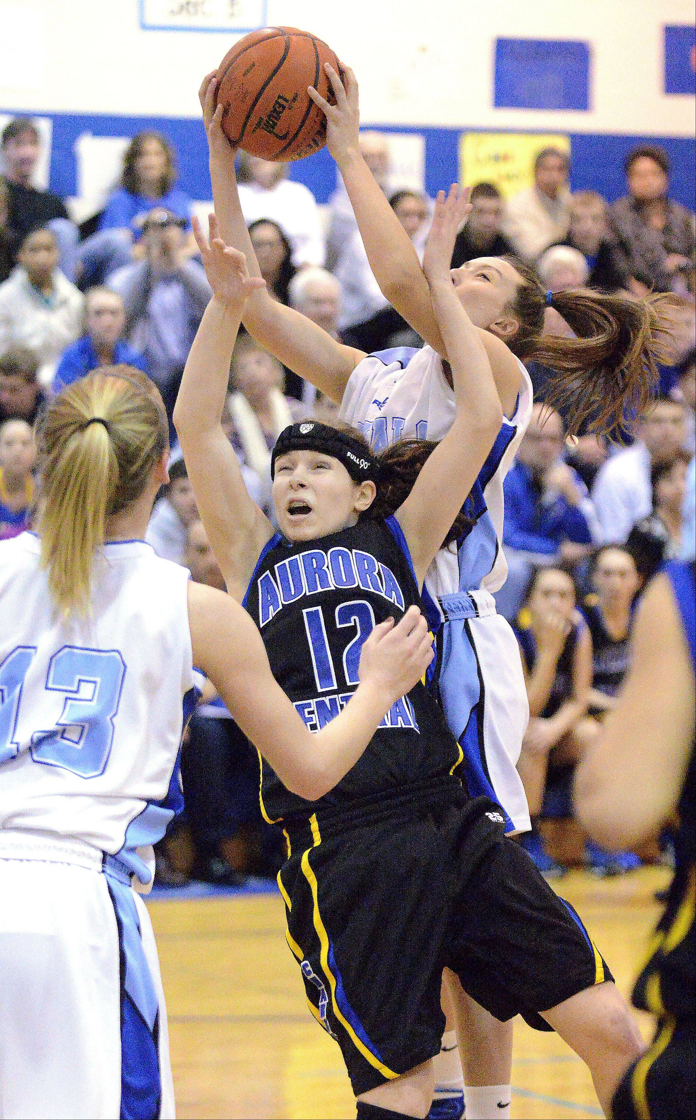 Rosary finishes against Aurora Central Catholic