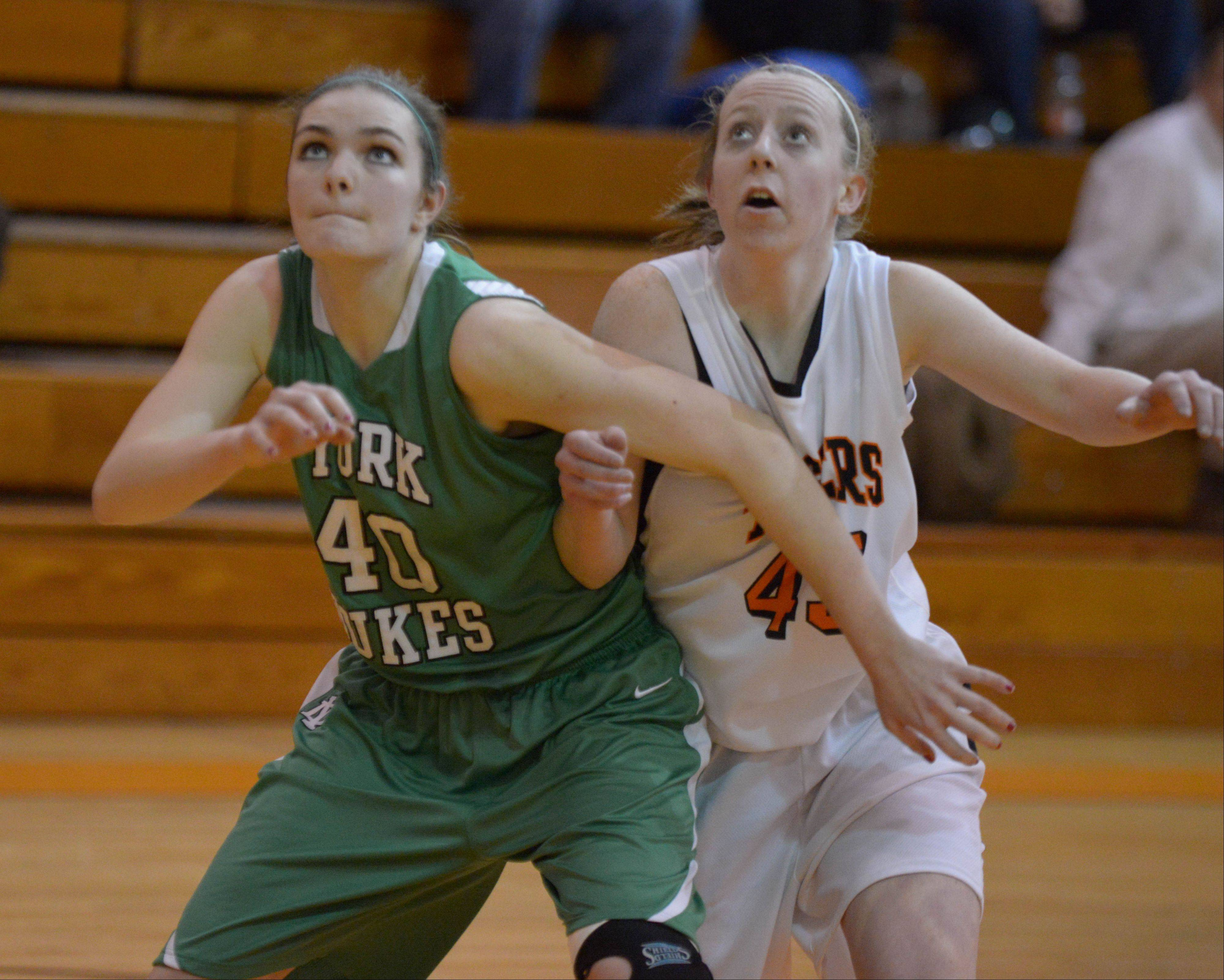 Images: York vs. Wheaton Warrenville South, girls basketball