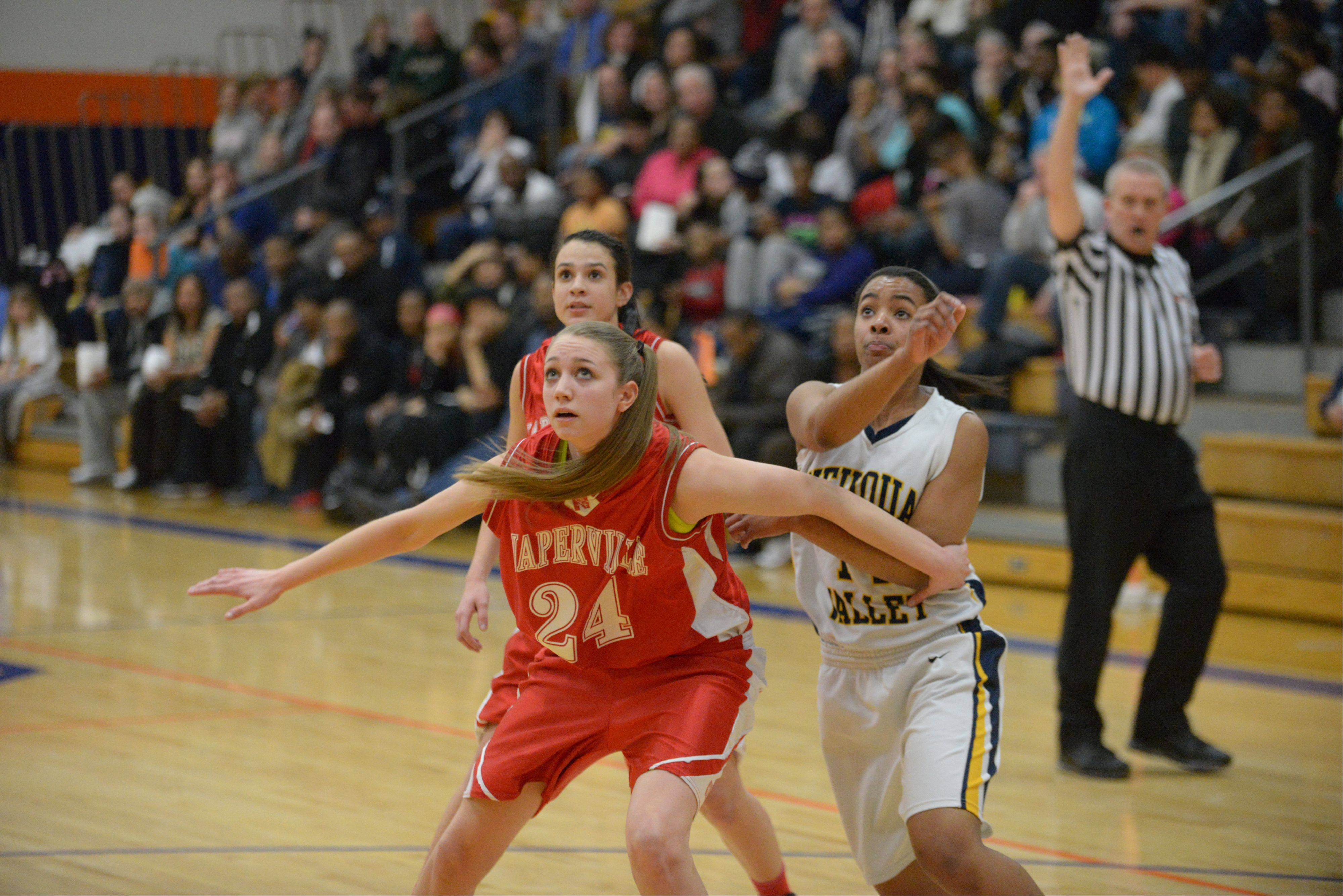 Images: Naperville Central vs. Neuqua Valley, girls basketball