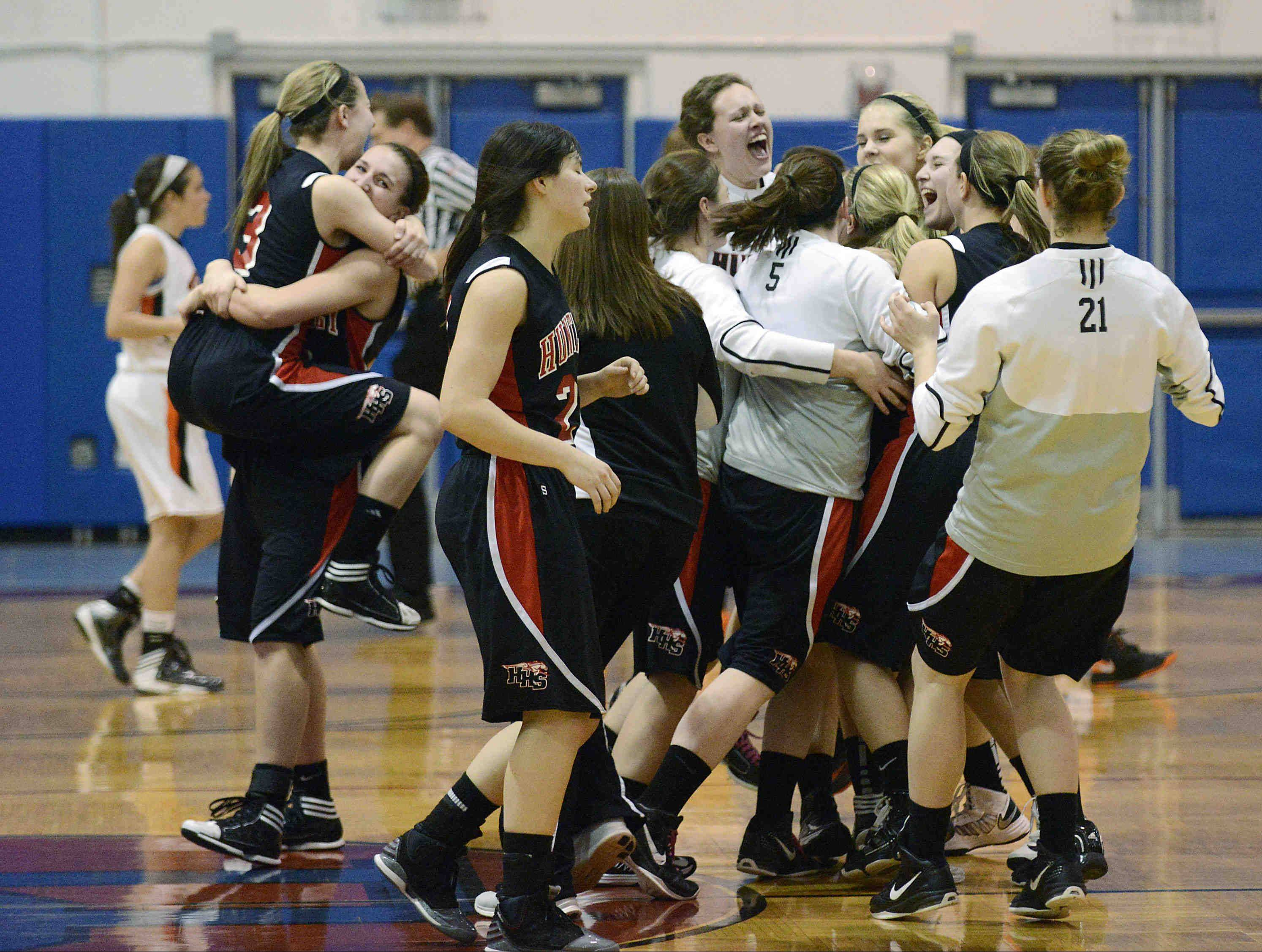 Huntley shocks WW South