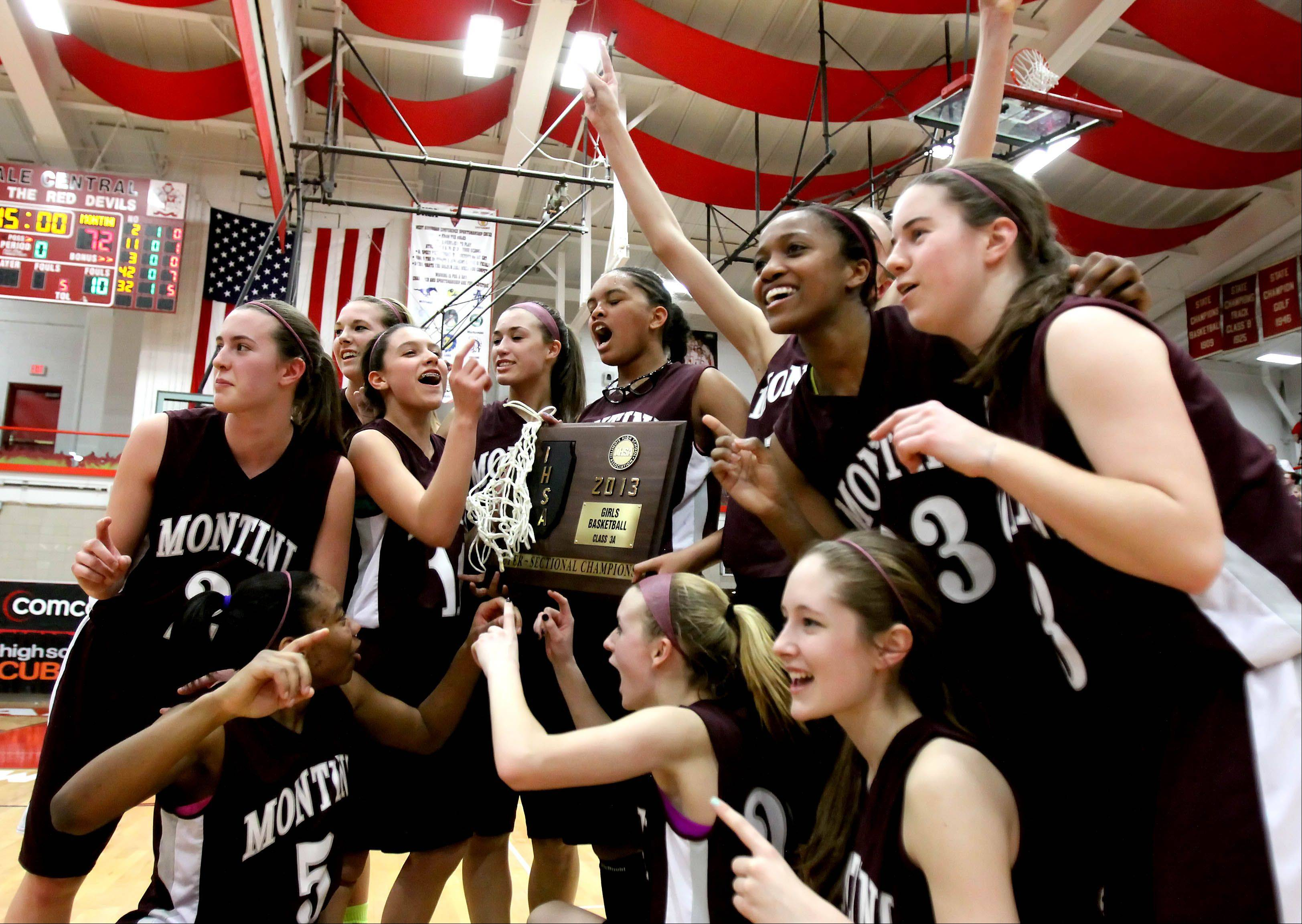 Images: Montini vs. Phillips, girls basketball