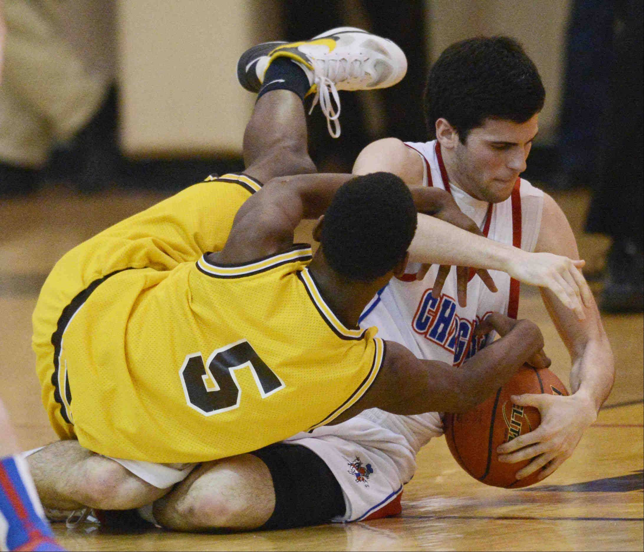 Jacobs' Chrishawn Orange and Dundee-Crown's Trent Muscat tangle on the floor.