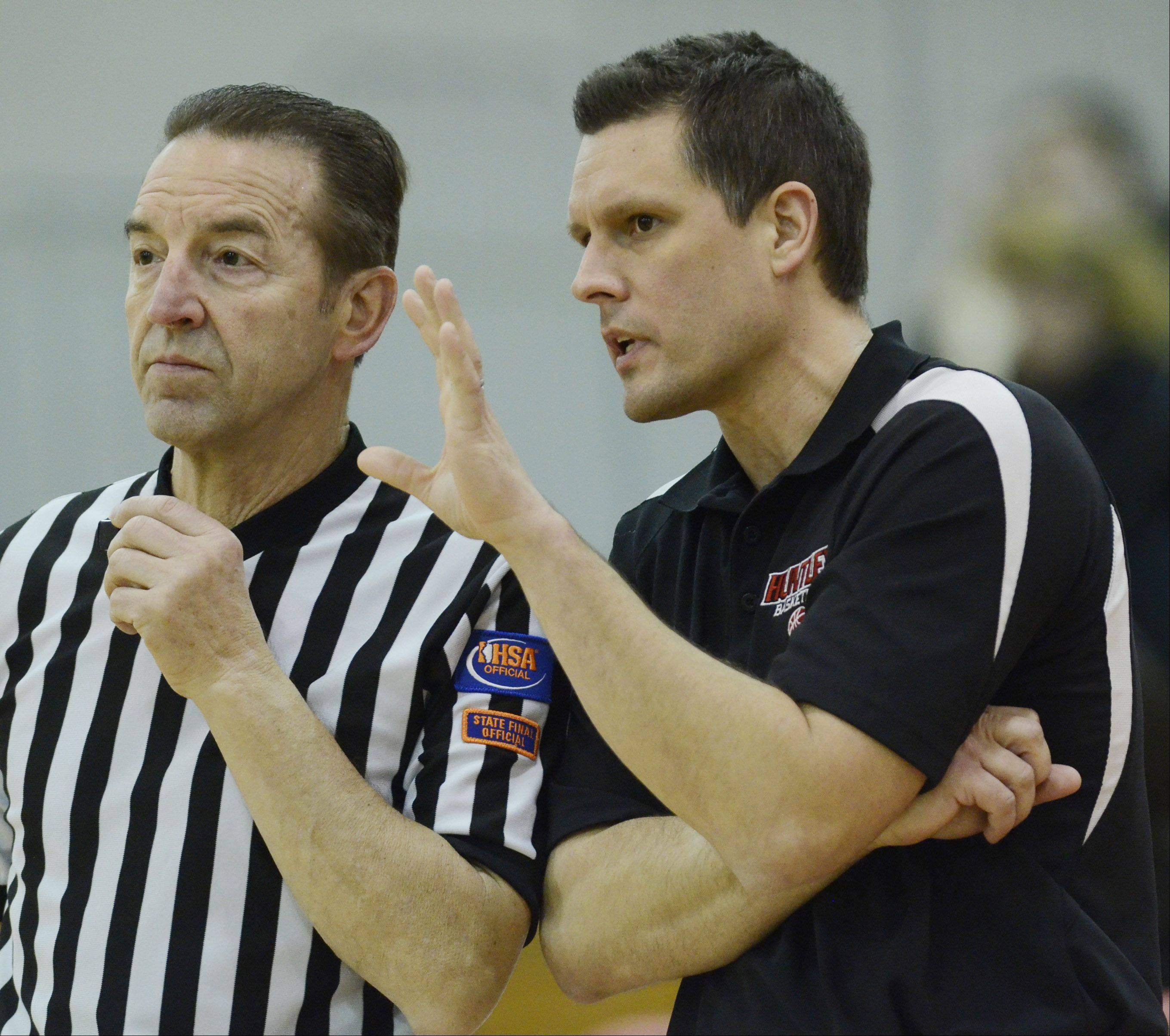 Huntley girls basketball coach Steve Raethz, right, has his team focused and ready to face Rolling Meadows in tonight's 6:30 p.m. Class 4A state semifinal at Redbird Arena in Normal.