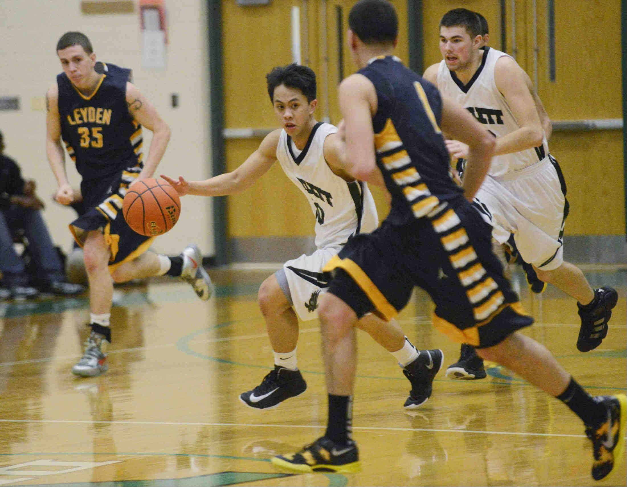 Images from the Bartlett vs. Leyden Class 4A regional boys basketball game Thursday, February 28, 2013 in Elmhurst.