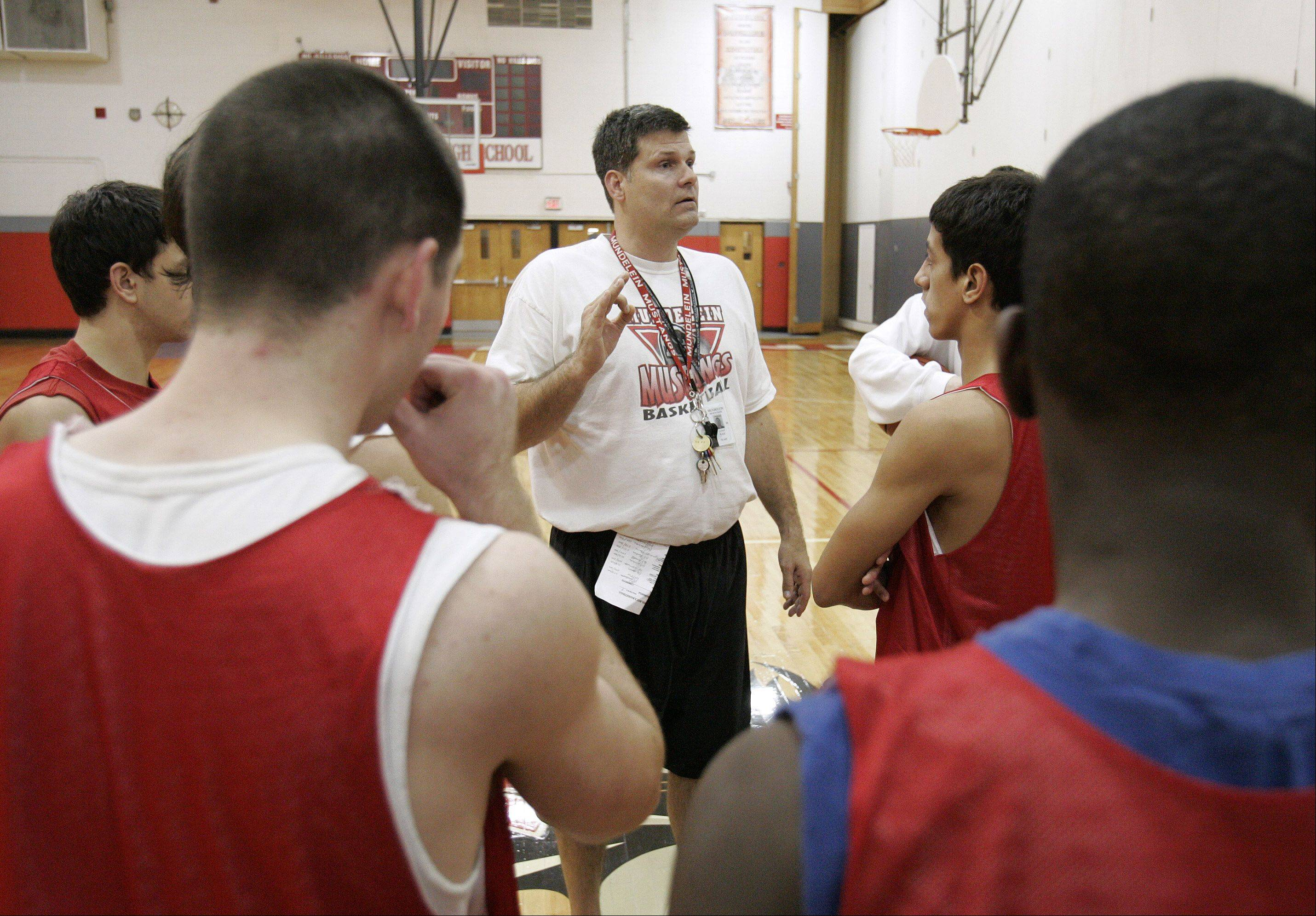 Mundelein's Dick Knar will coach the West boys in the upcoming Lake County Senior Shootout.