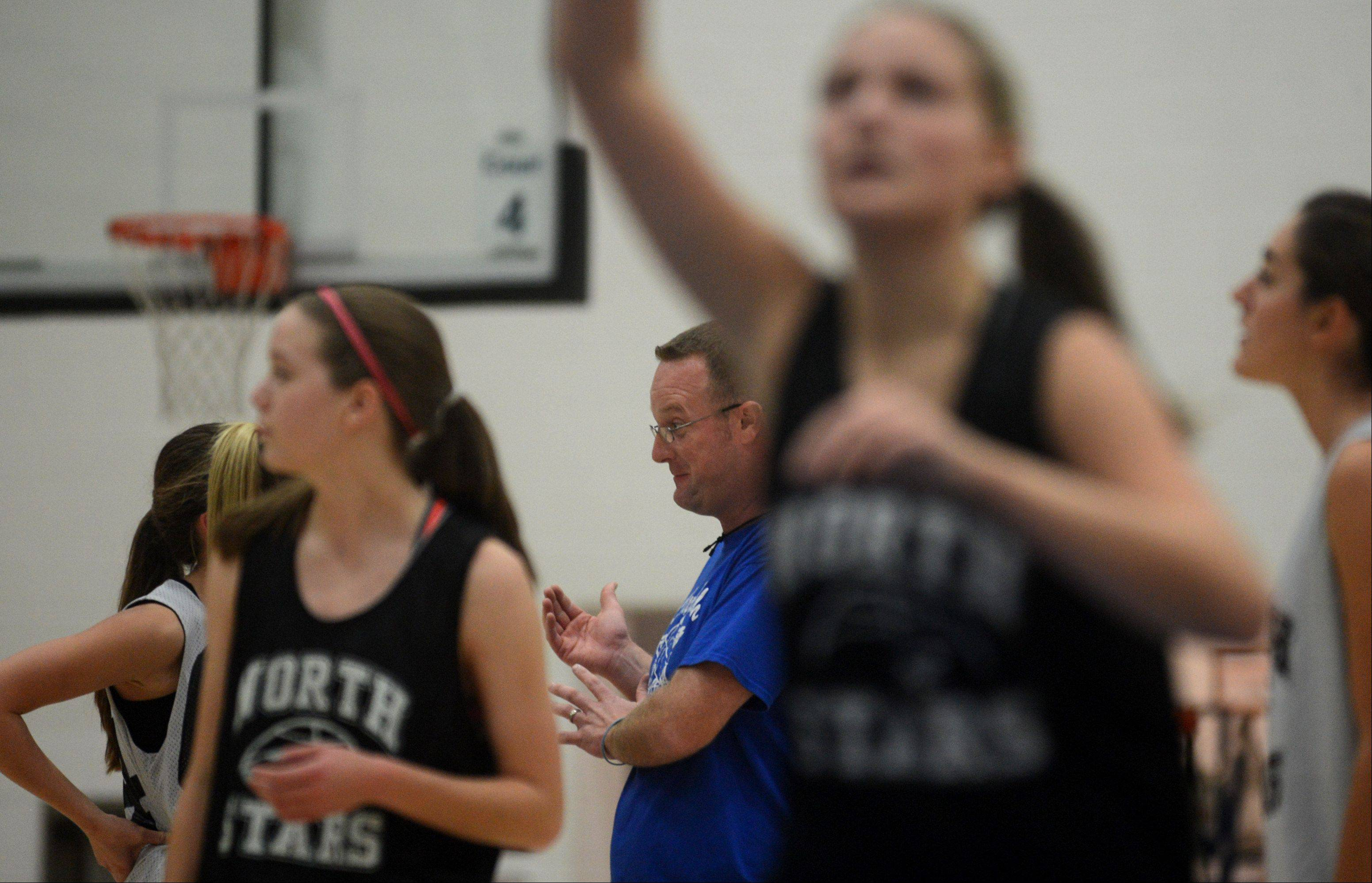 Patrick Kunzer/pkunzert@dailyherald.comThe St. Charles North North Stars girls basketball team practiced on Monday afternoon. New head coach Sean Masoncup led the first day of practice for the season.