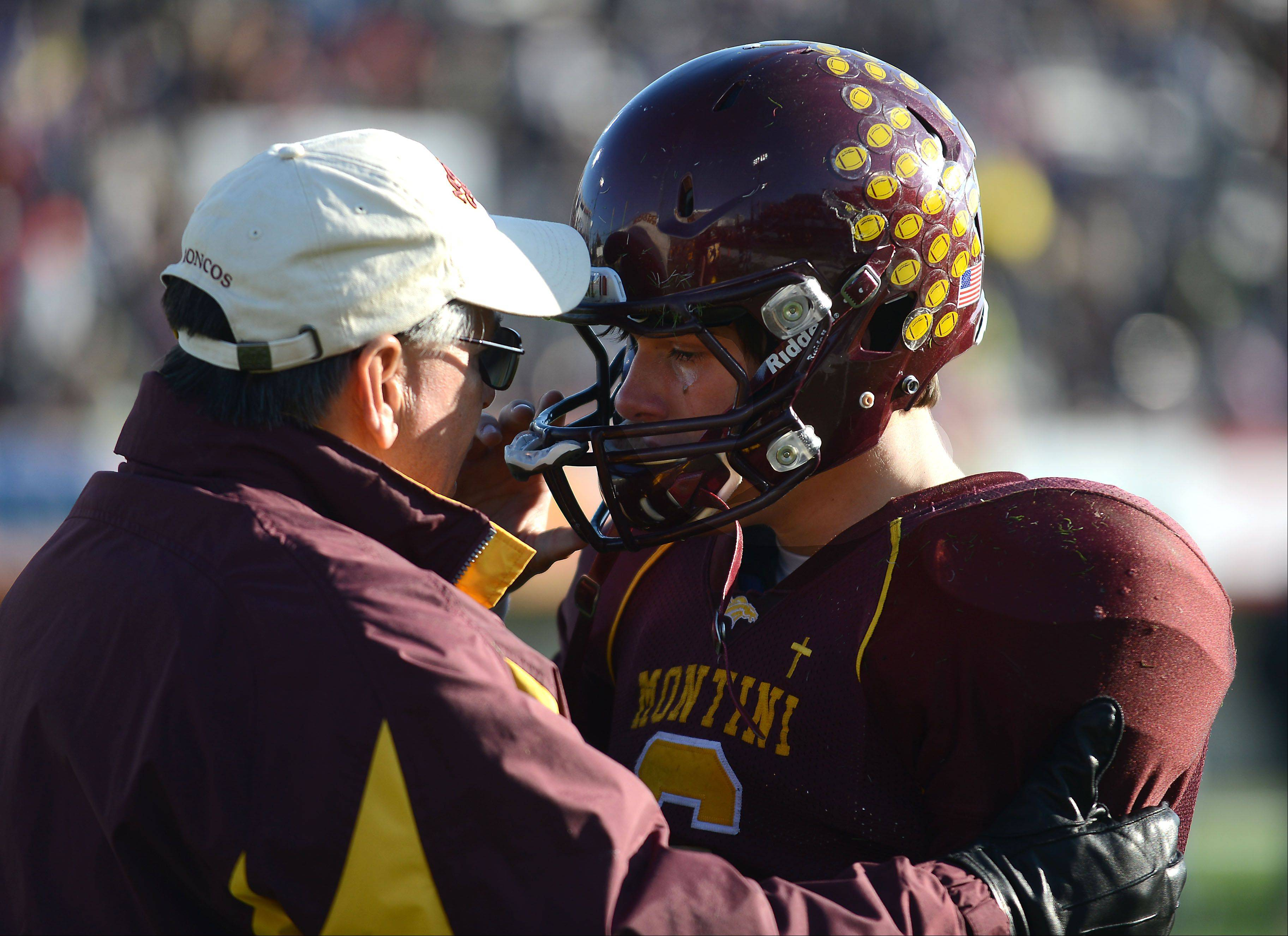 Sacred Heart-Griffin denies Montini 5A football title