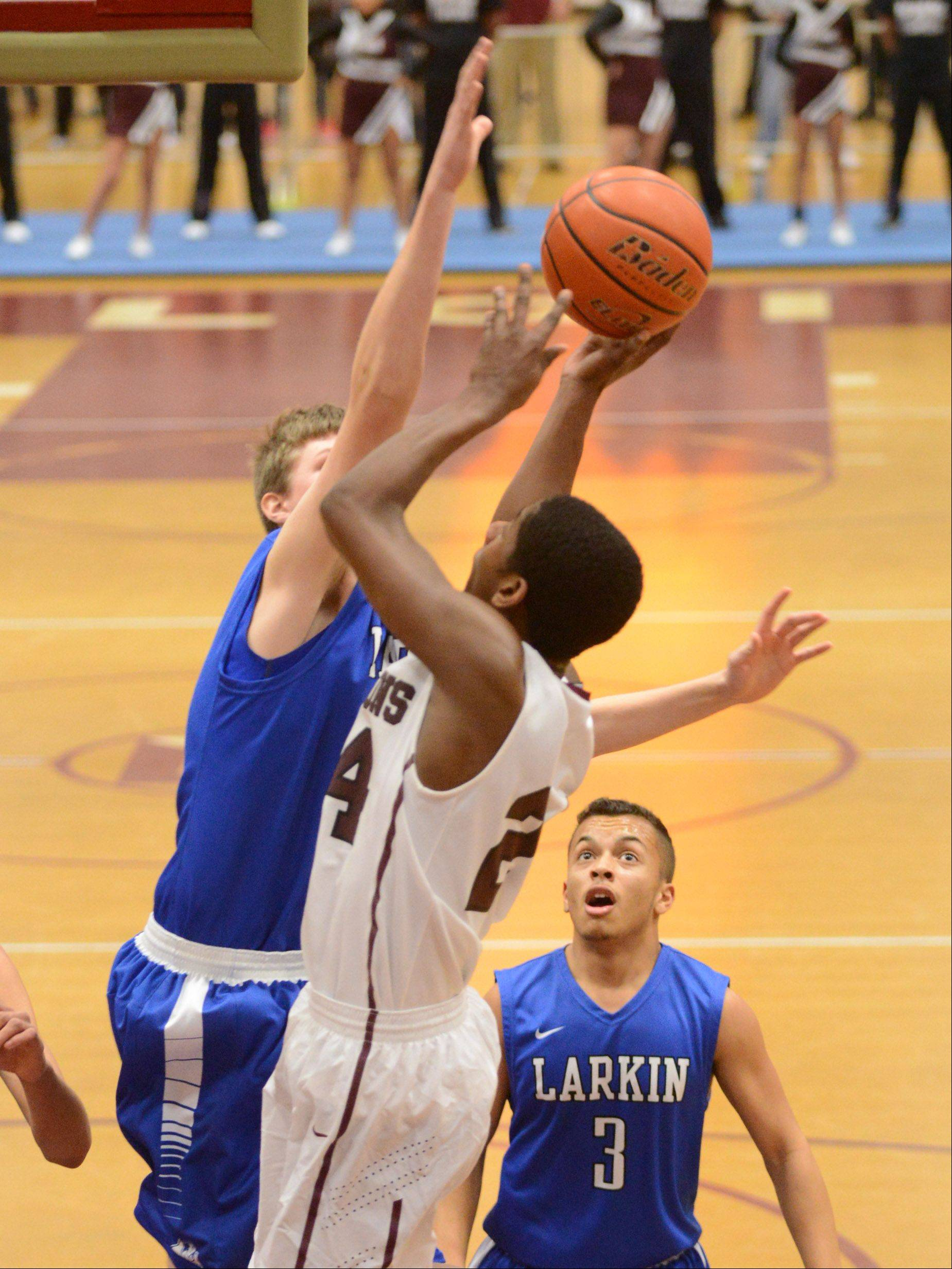 Images from the Elgin vs. Larkin boys basketball game Thursday, December 19, 2013.