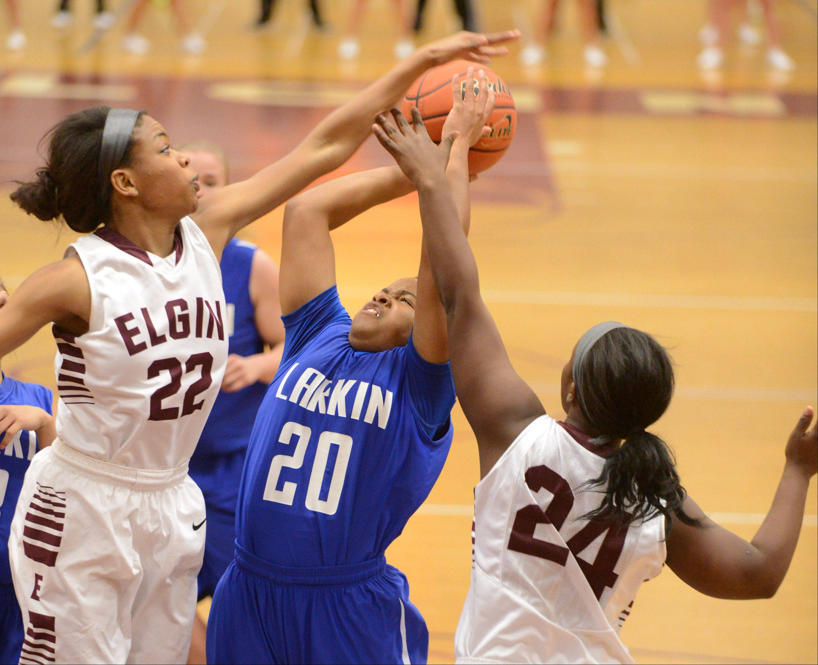 Images from the Elgin vs. Larkin girls basketball game Friday, December 20, 2013.