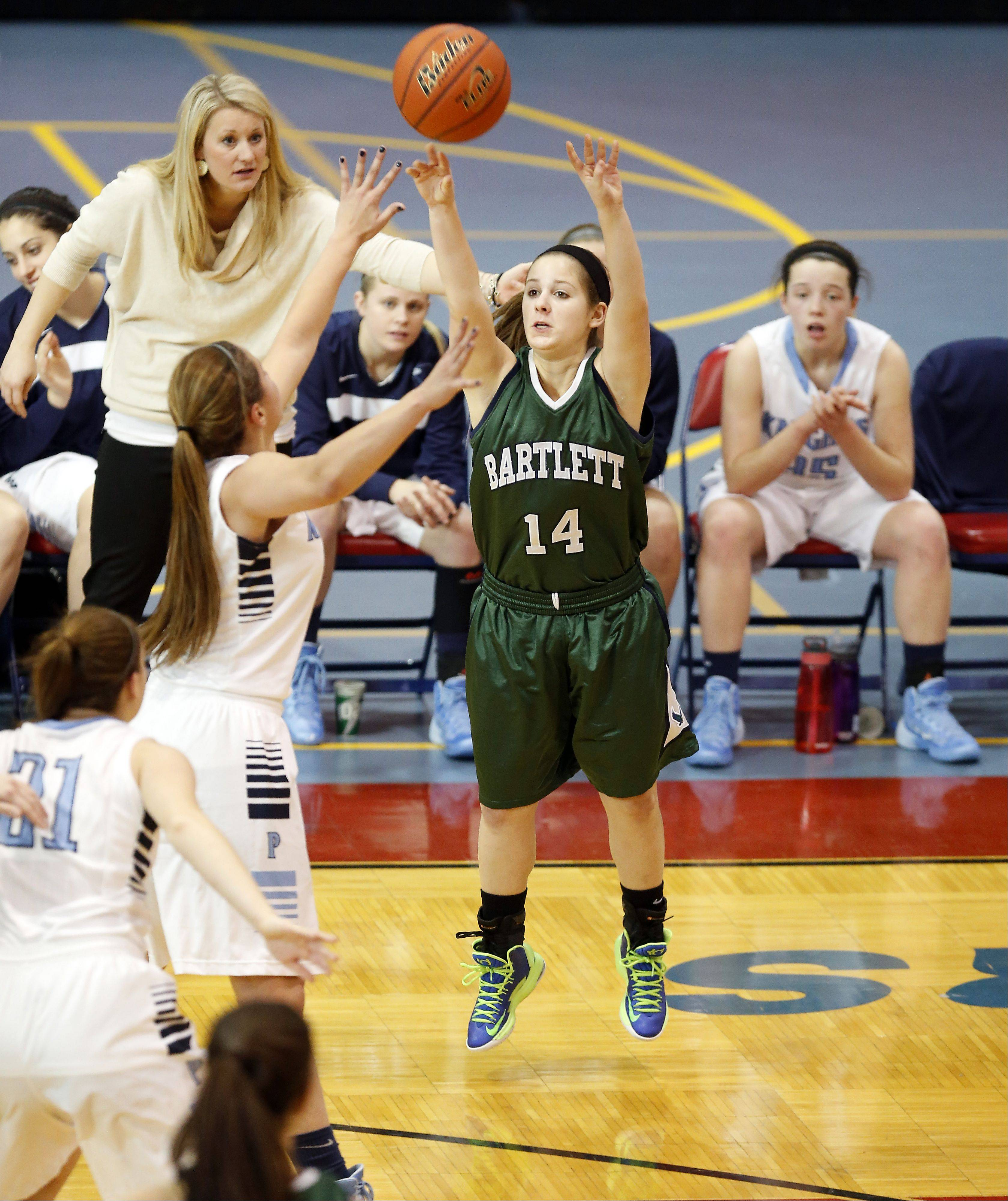 Bartlett's Nina Pavell shoots against Prospect during the 31st annual Charger Classic Thursday at Dundee-Crown.