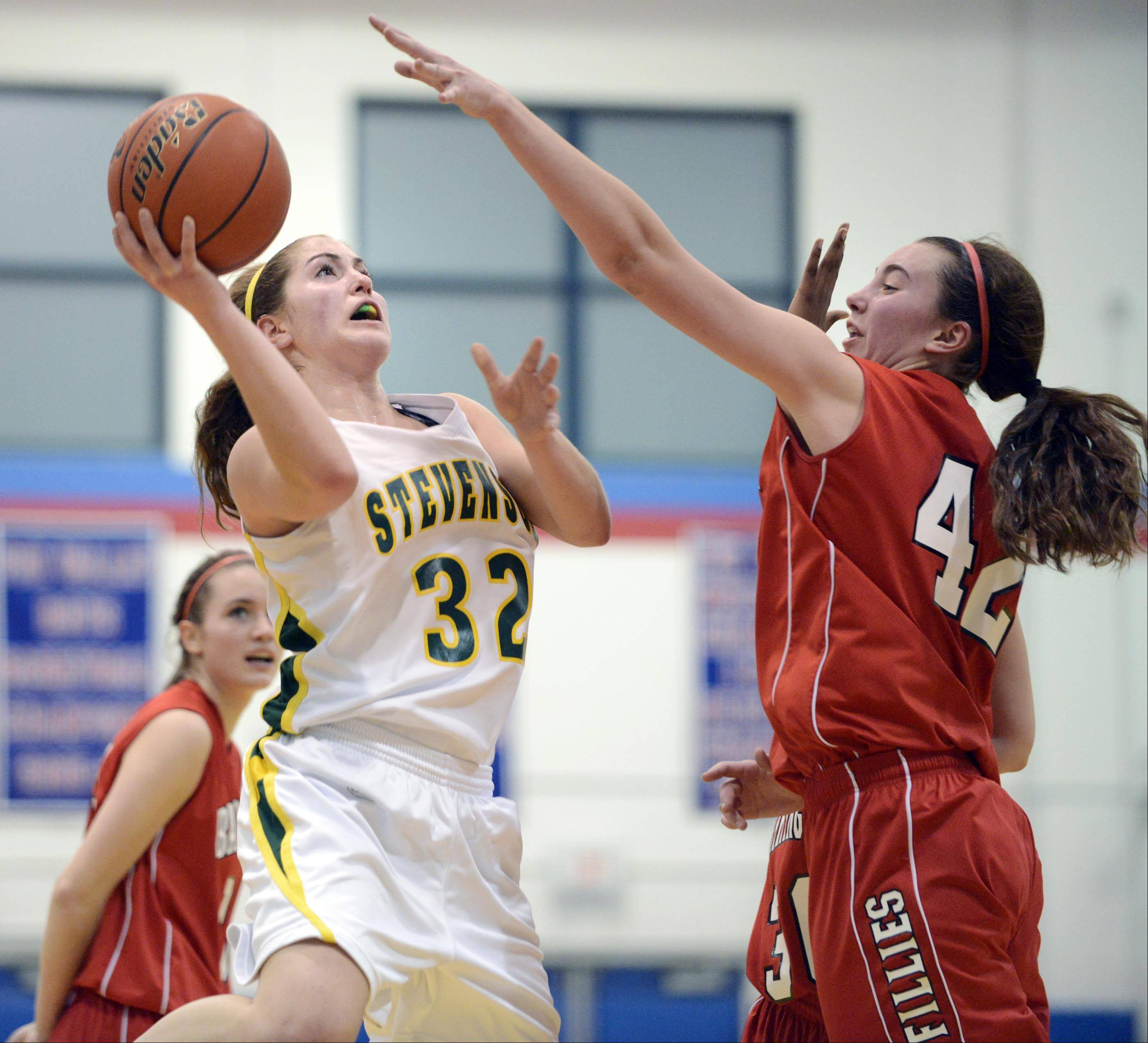Richardson, Stevenson edge Barrington in OT