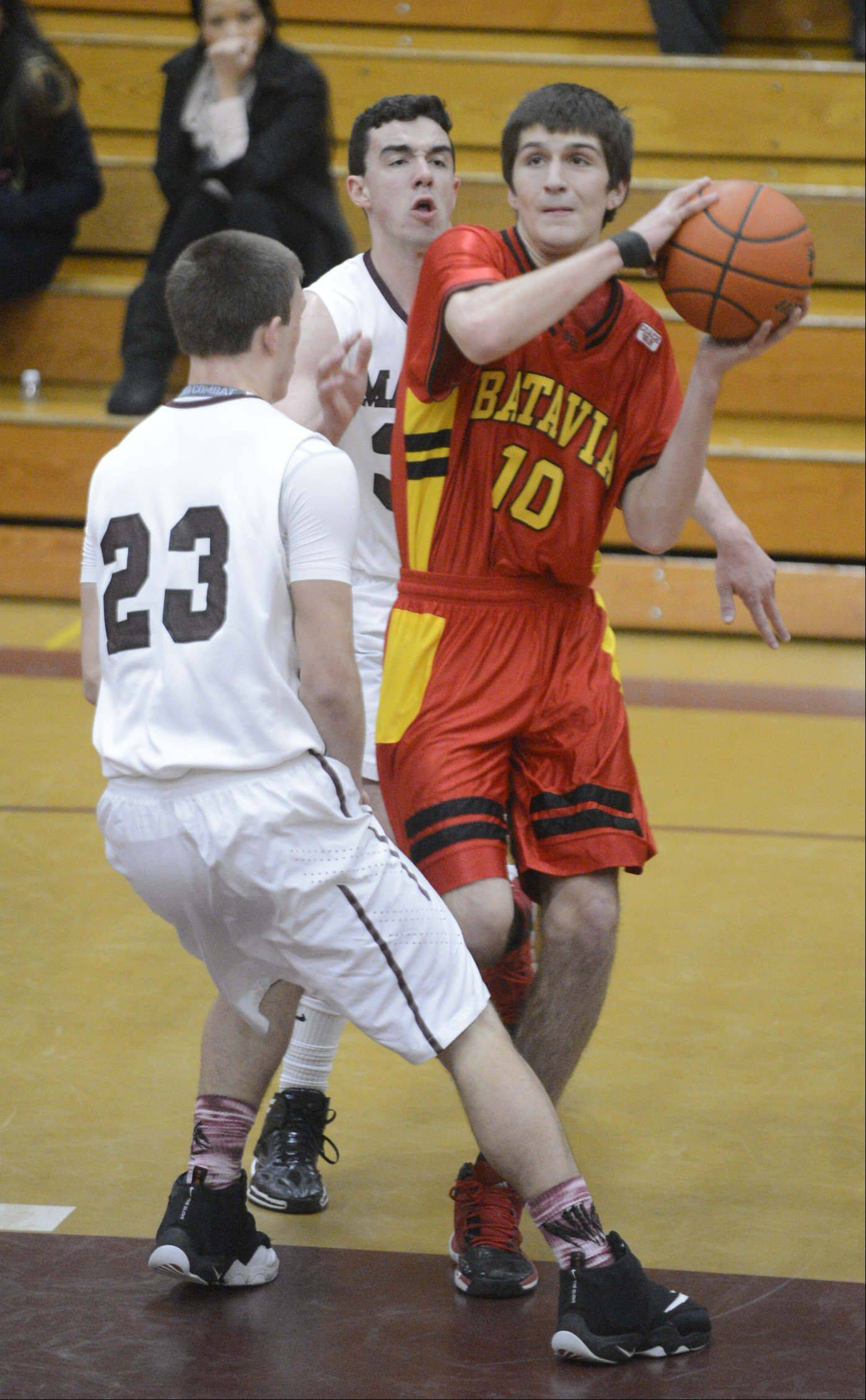 Images from the Elgin vs. Batavia boys basketball game Saturday, January 18, 2014.