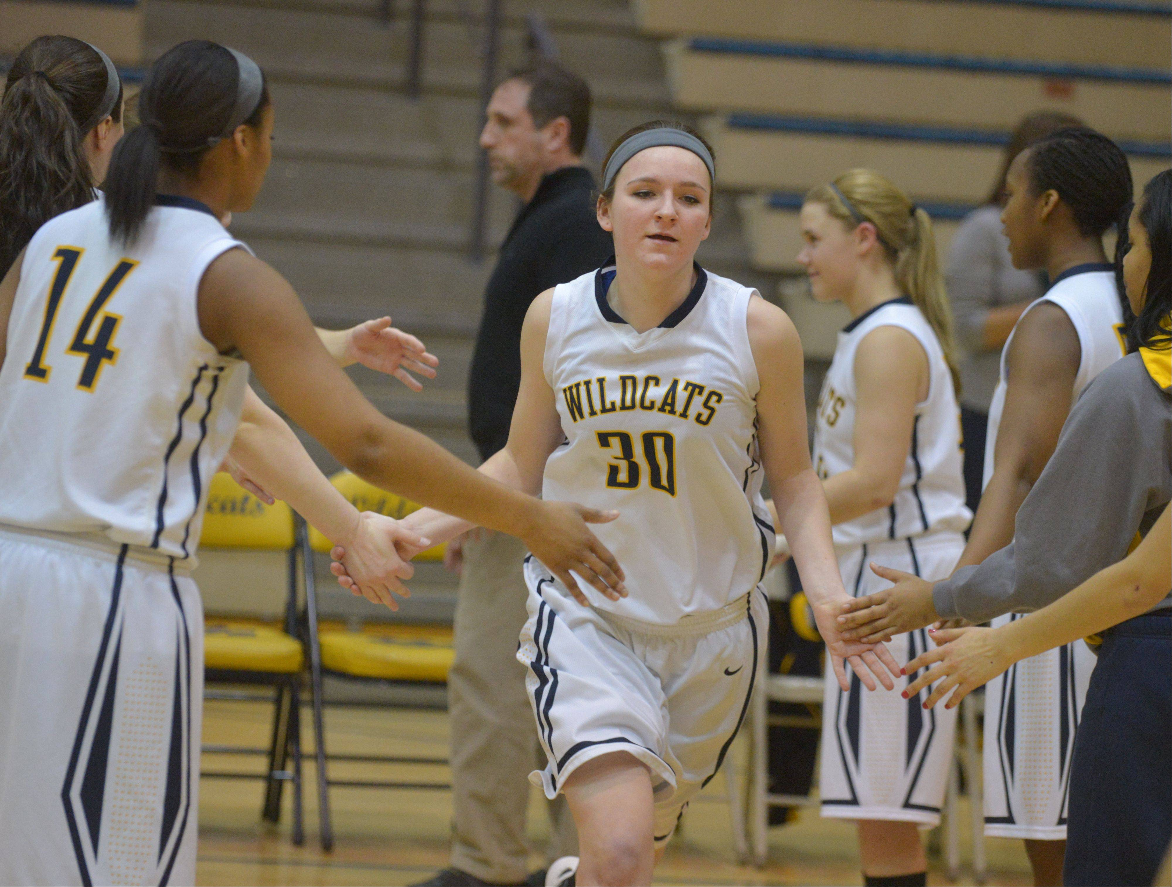 Images: South Elgin at Neuqua Valley girls basketball