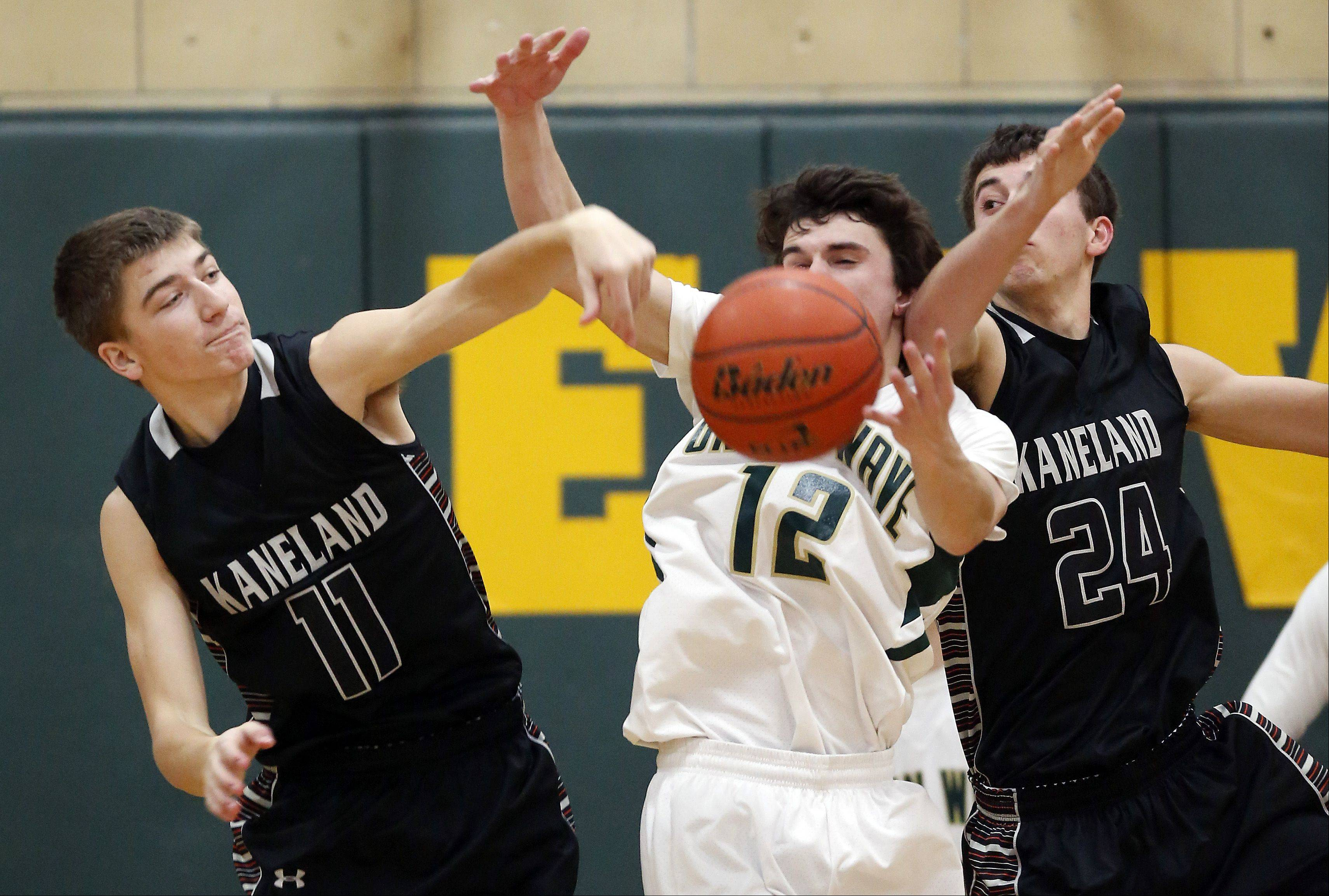 Images: St. Edward vs. Kaneland boys basketball