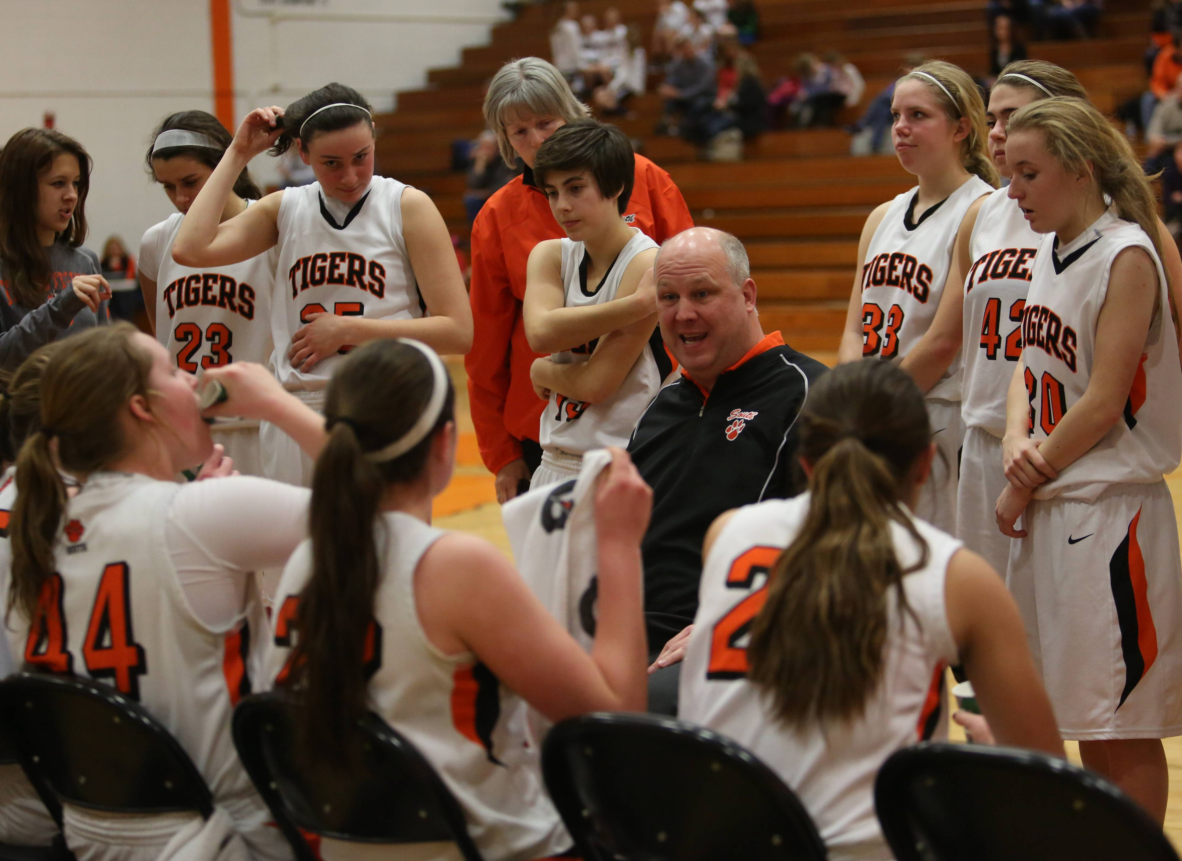 Images: West Aurora at Wheaton Warrenville South girls basketball