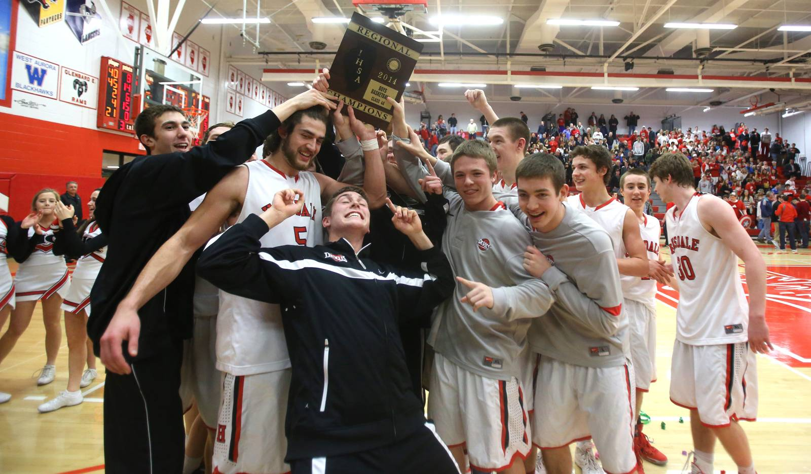 Images: Hinsdale Central vs. Naperville Central boys basketball