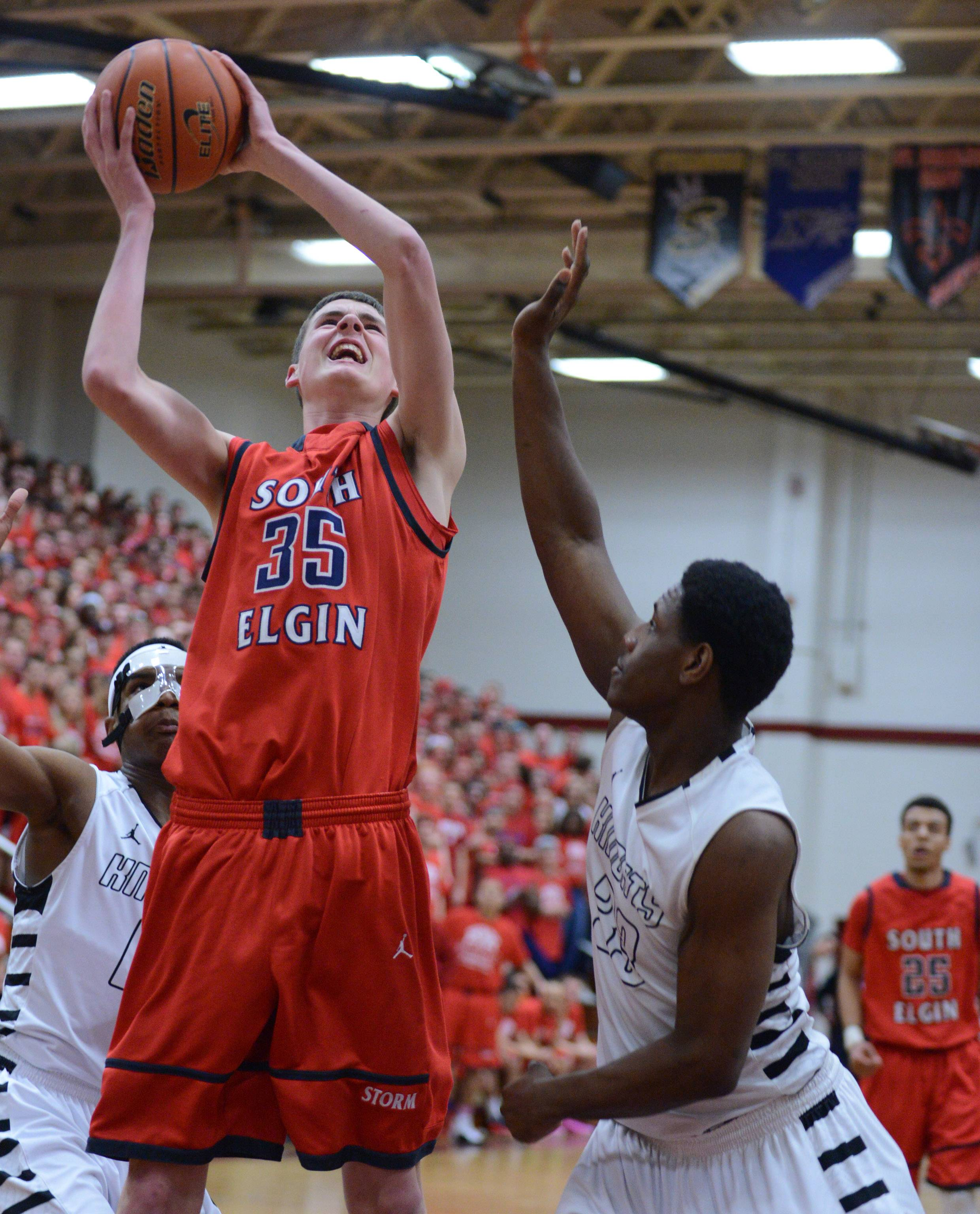 Images from the South Elgin vs. Rockford Auburn class 4A boys basketball sectional title game Friday in Elgin.