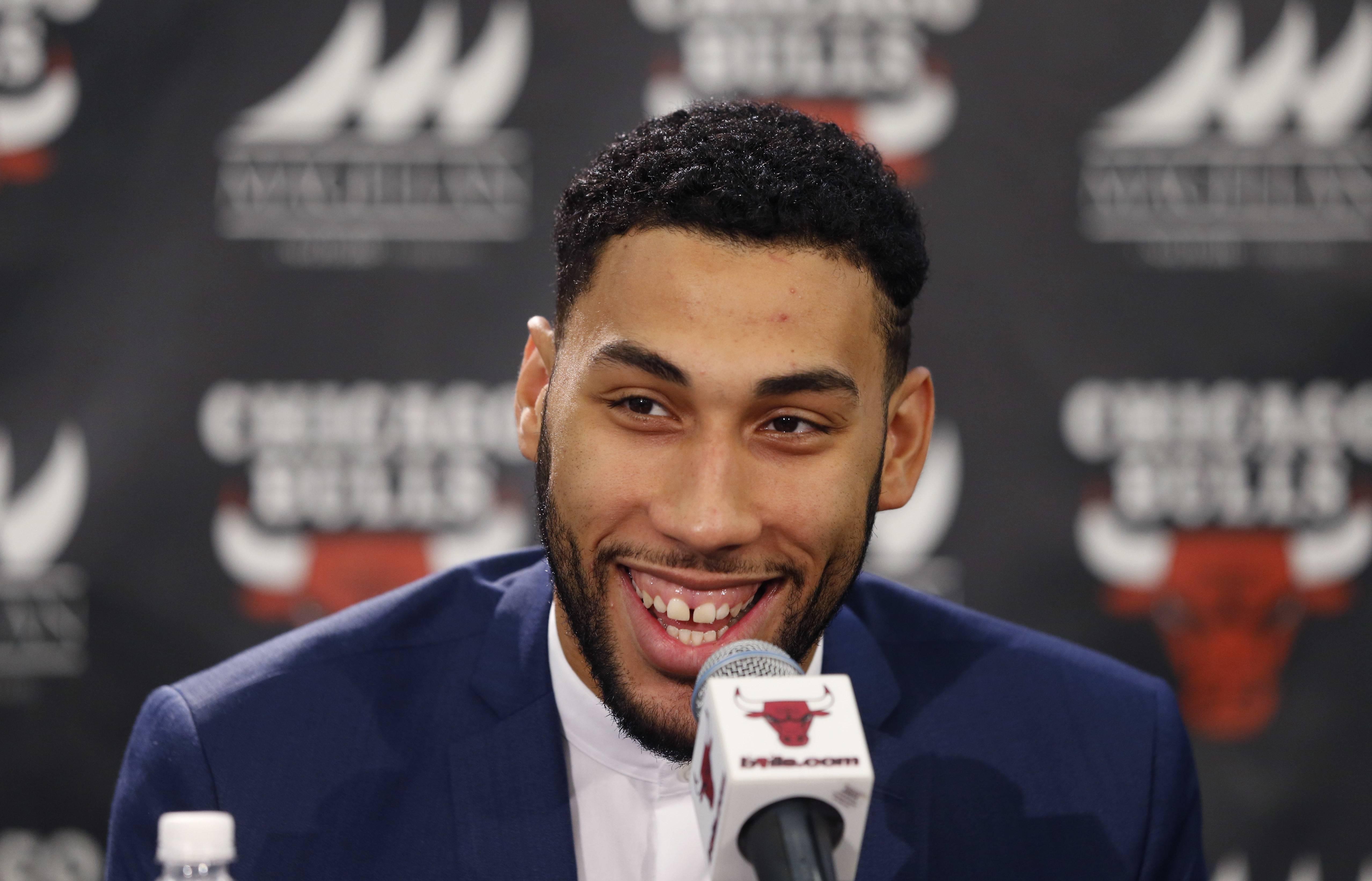 Fesselnd Chicago Bullsu0027 First Round Draft Pick Denzel Valentine, From Michigan State  University, Smiles