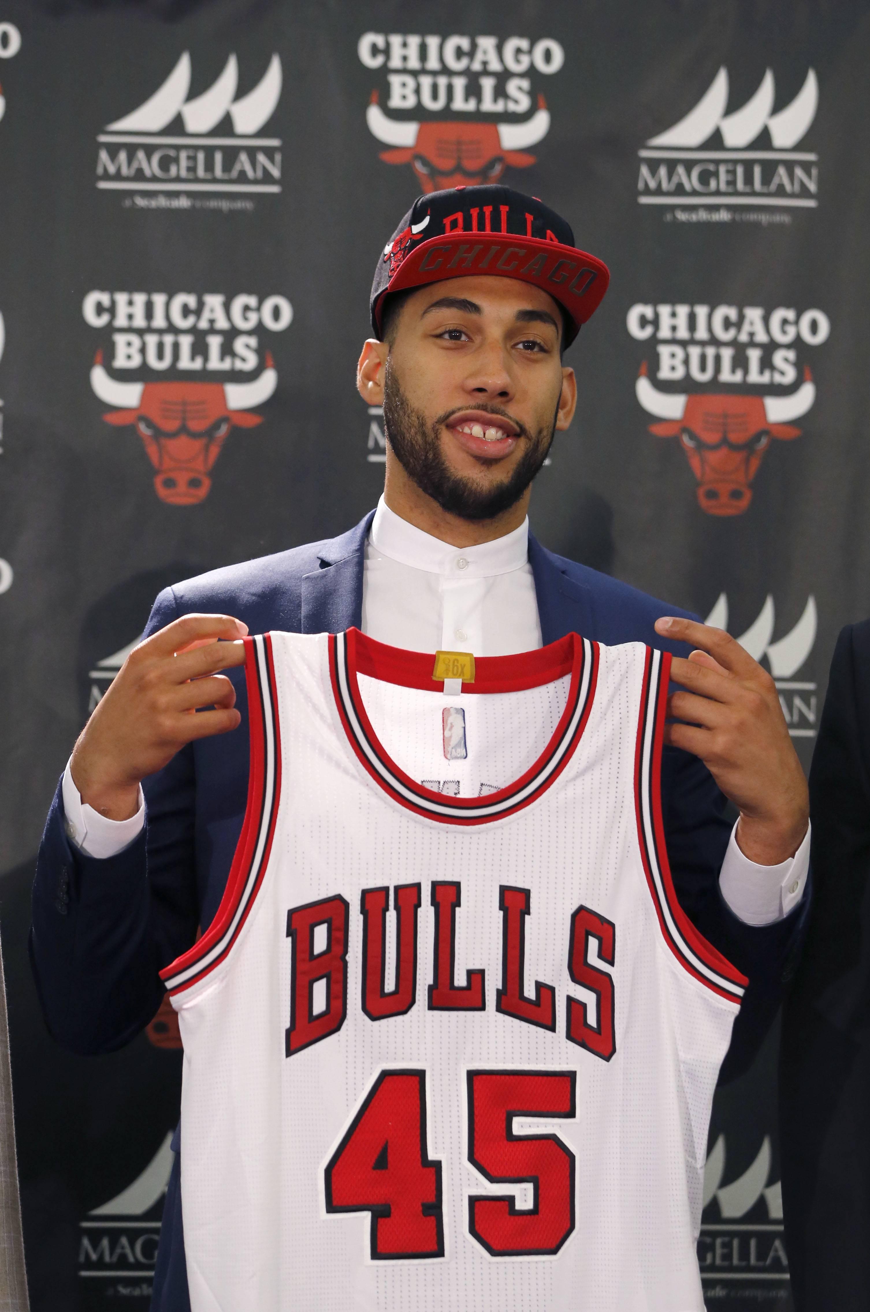 Chicago Bullsu0027 First Round Draft Pick Denzel Valentine, From Michigan State  University, Holds
