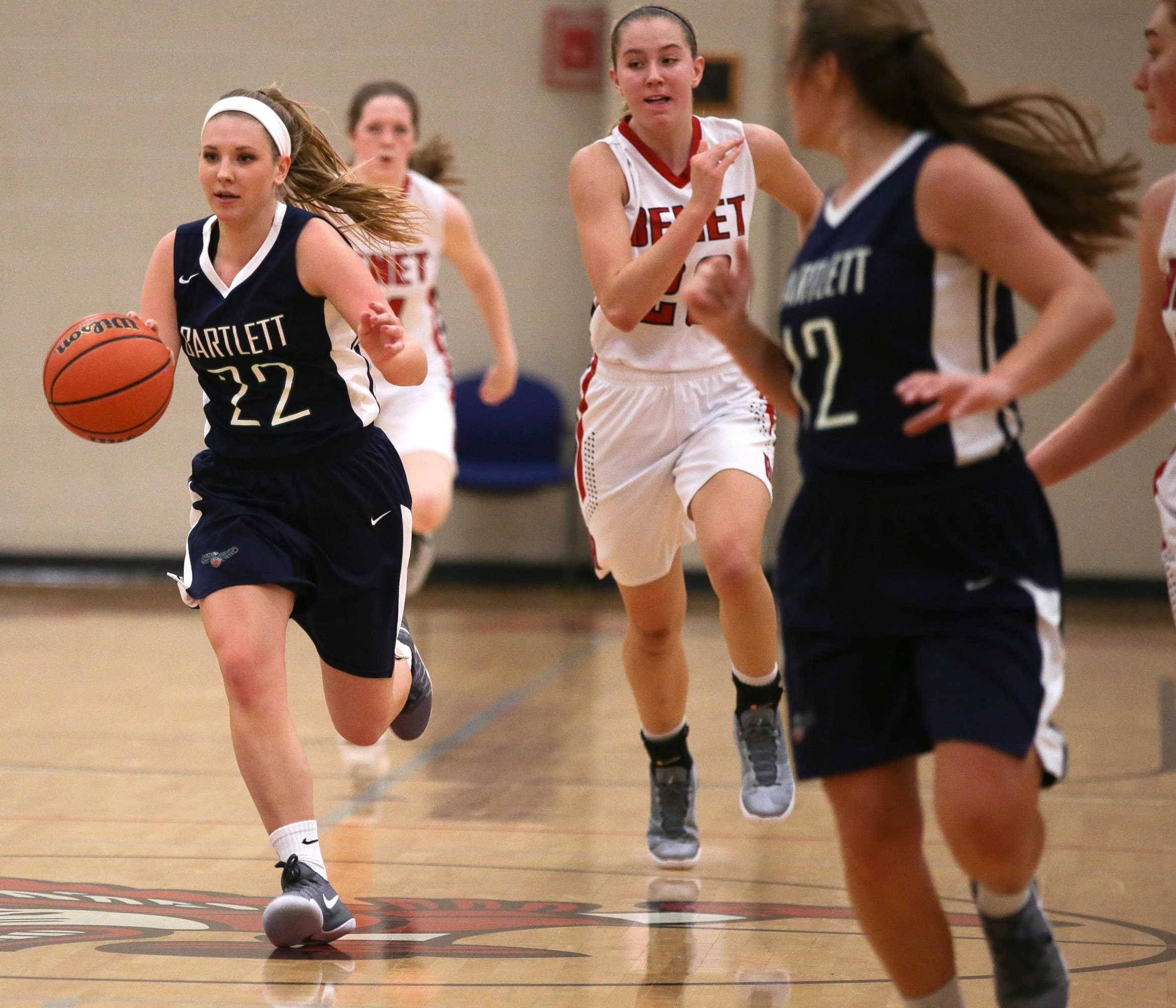 Bartlett guard Sarah Jurek (22) pushes the ball up the court on a fast break against Benet at Benet Academy in Lisle, IL on Friday, November 18, 2016