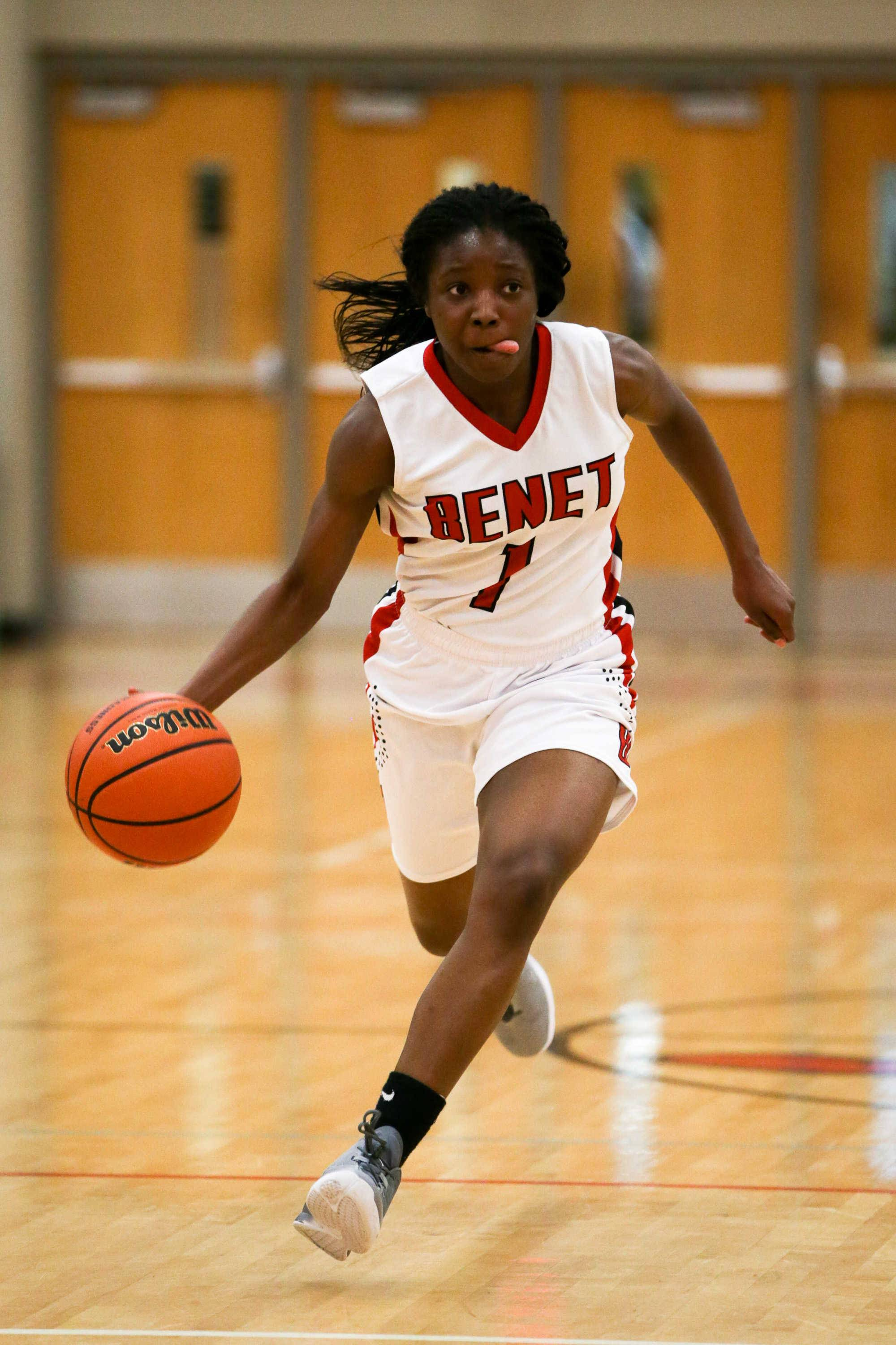Benet guard Tsimba Malonga (1) brings the ball up the court against Bartlett at Benet Academy in Lisle, IL on Friday, November 18, 2016
