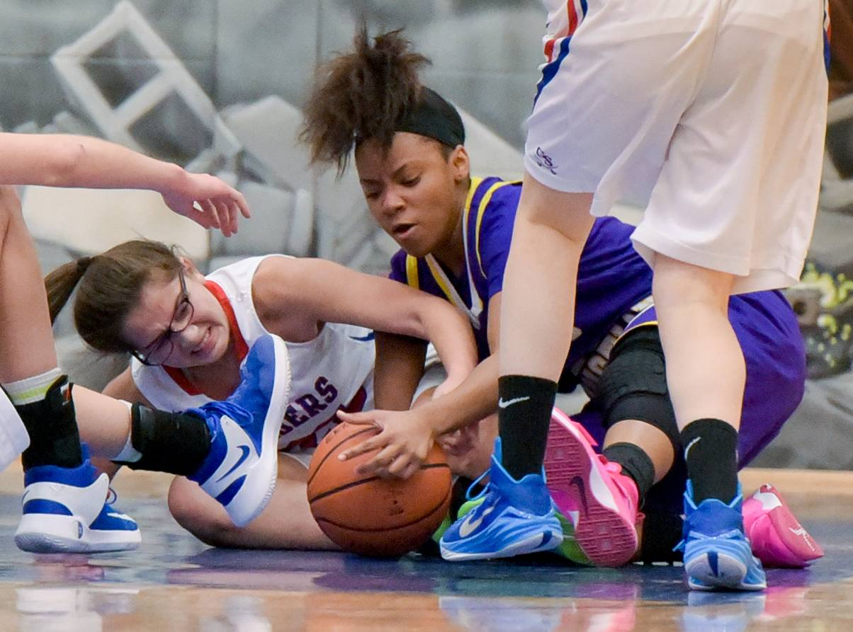 Images: Glenbard South vs. Chicago Christian girls basketball