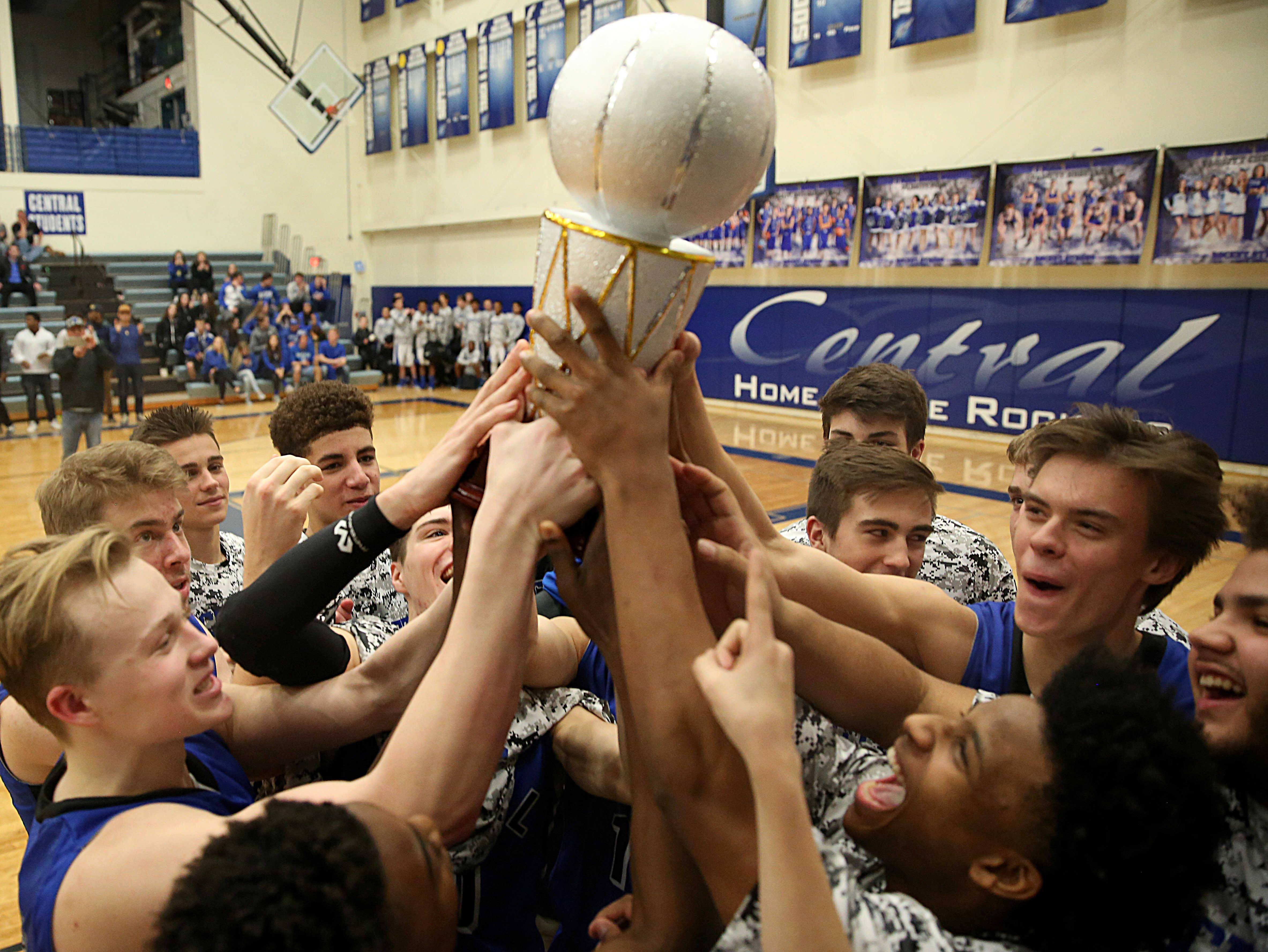 Burlington Central holds off Marengo for MLK Classic title