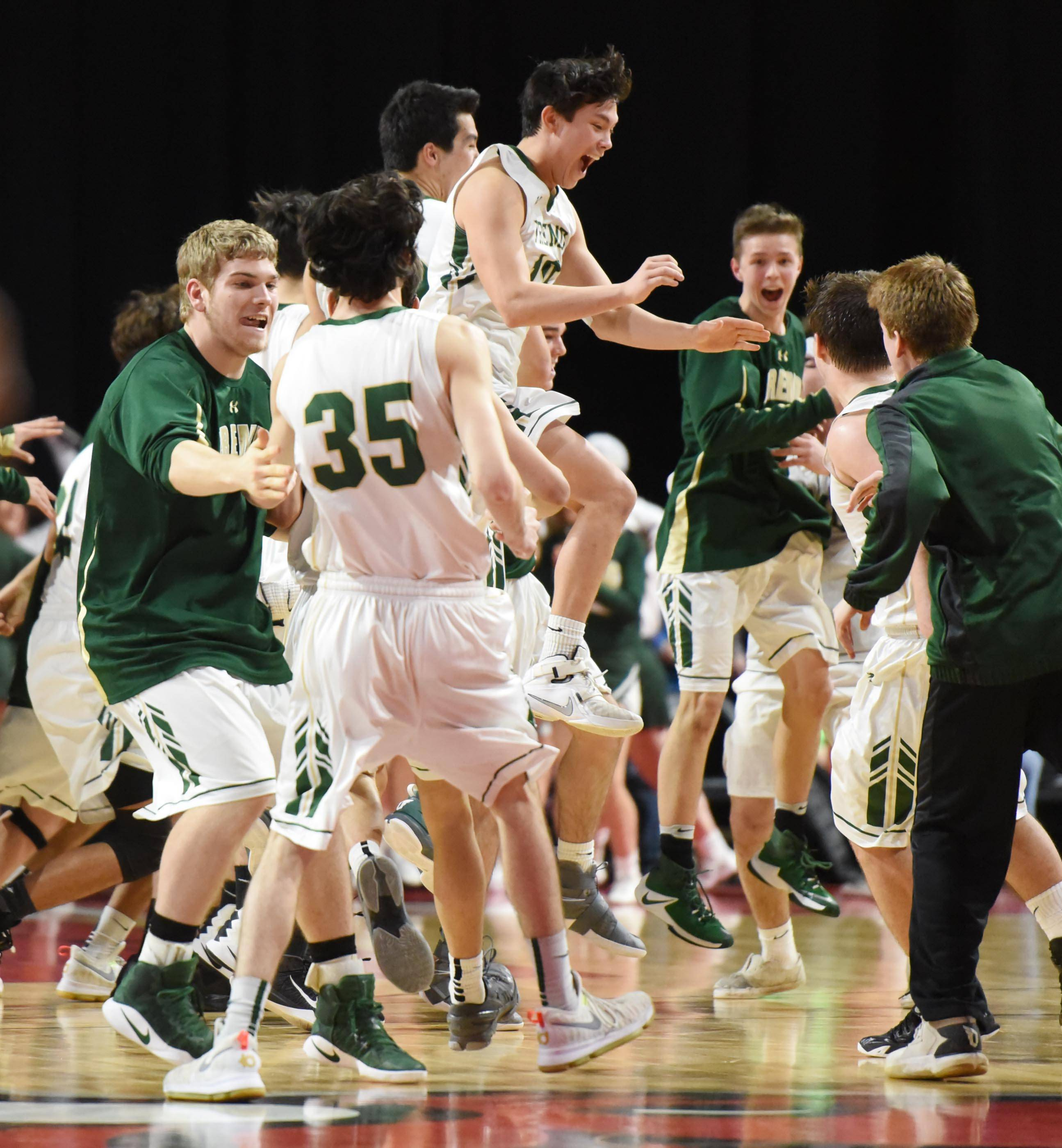 Fremd finds way to beat Jacobs, advances downstate