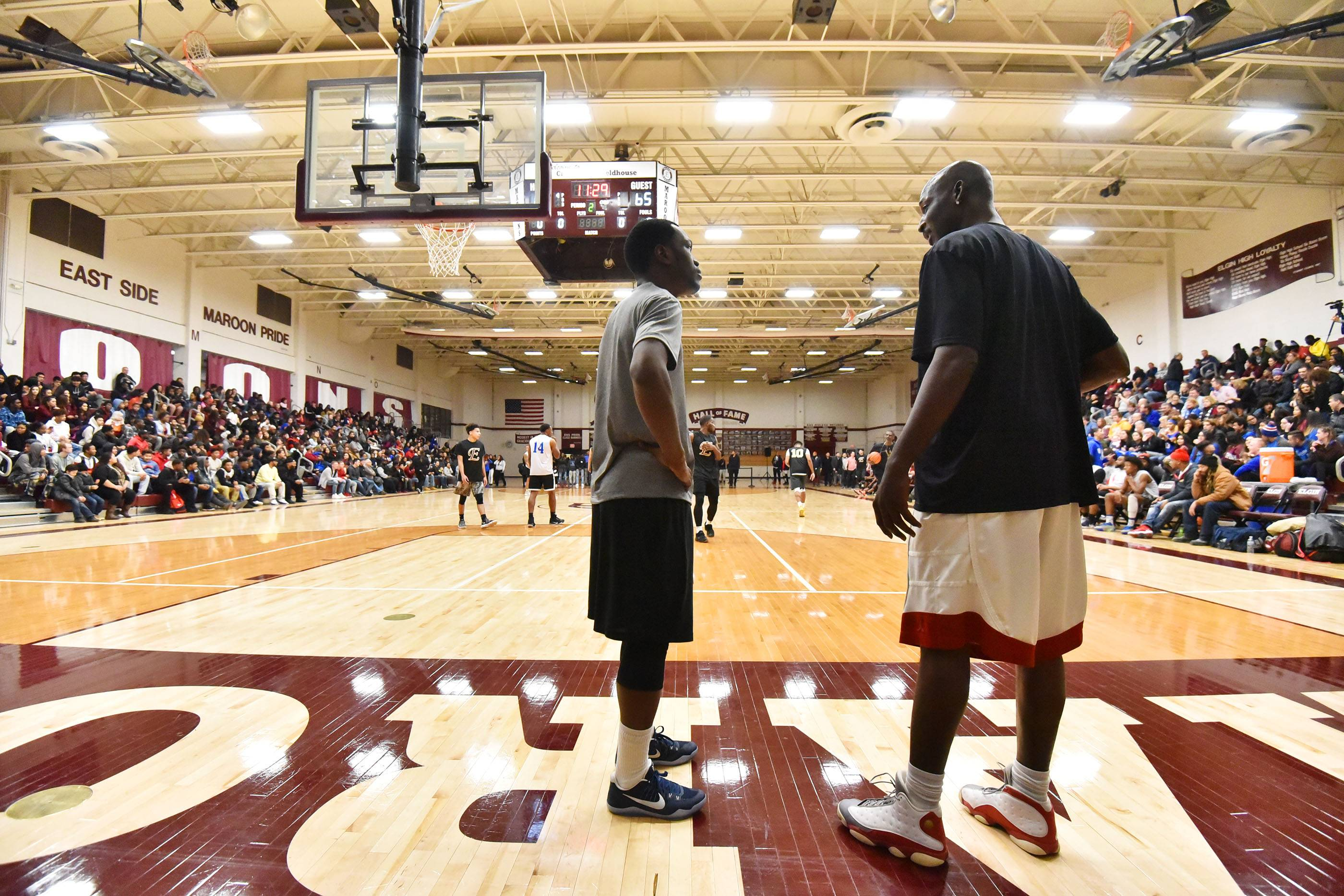 Elgin-Larkin alumni games a smashing success