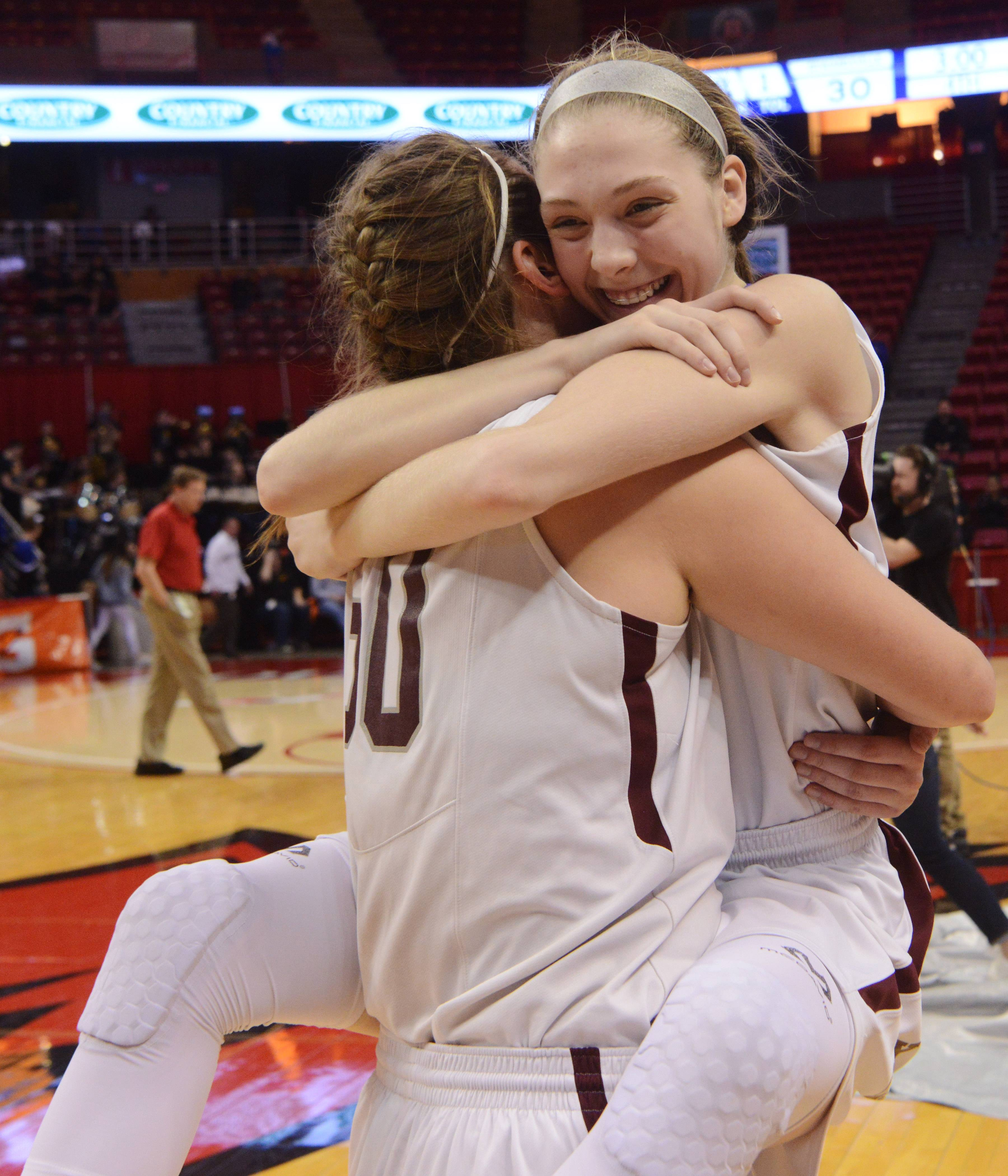 Images: Montini beats Edwardsville 37-30 in girls Class 4A state semifinal basketball