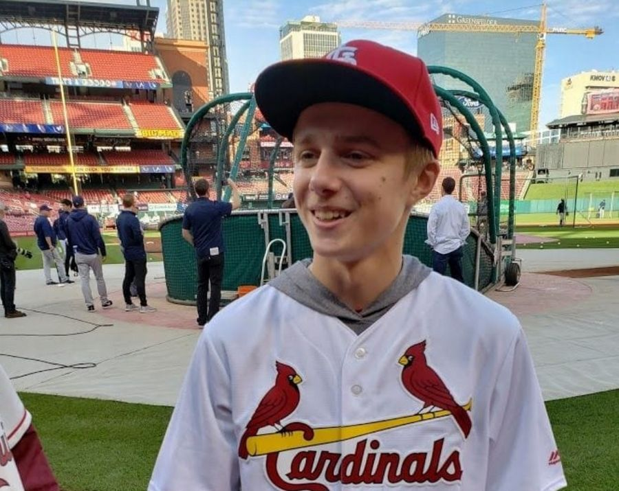 Doctors told Josh Bangert, 15, of West Chicago that he will lose his vision in a few months, so he's making the most of the eyesight he has left by looking at the country's great sights and playing one last season of basketball.