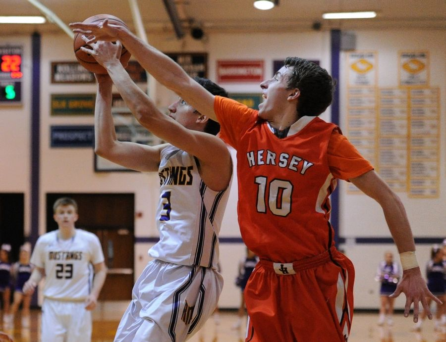 Hersey's Davis Belford (10) returns to lead a Huskies team that is the favorite in the Mid-Suburban East this season.