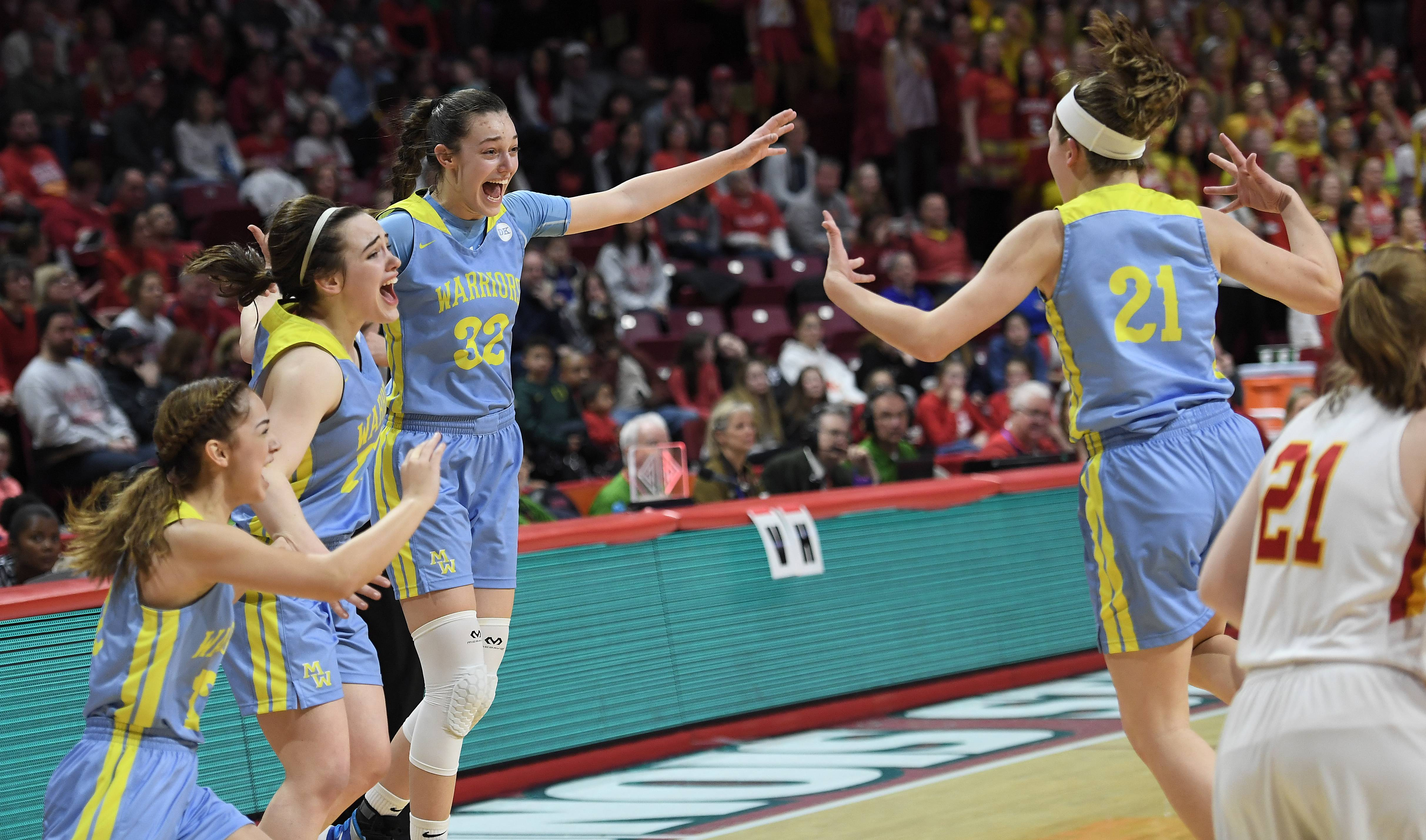 Maine West achieves perfection with state championship