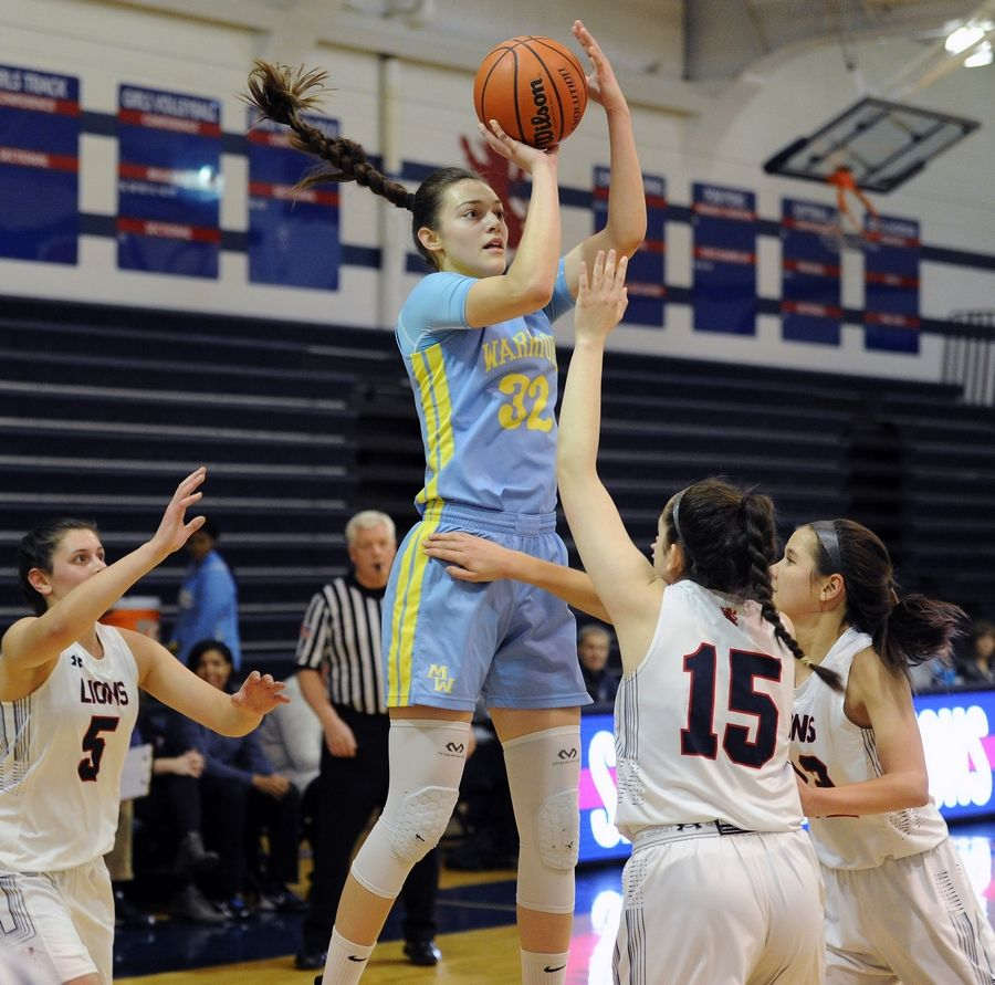Maine West's Angela Dugalic is the Illinois Gatorade Player of the Year and an Oregon recruit.